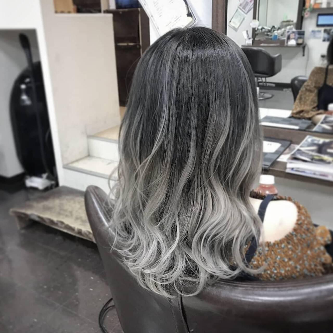 外国人風カラー グラデーションカラー ハイトーン ナチュラルヘアスタイルや髪型の写真・画像