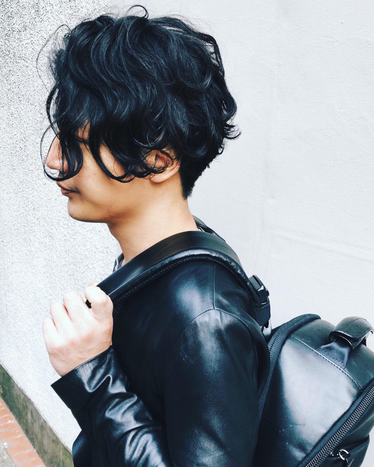 メンズパーマ メンズヘア メンズスタイル ミディアムヘアスタイルや髪型の写真・画像