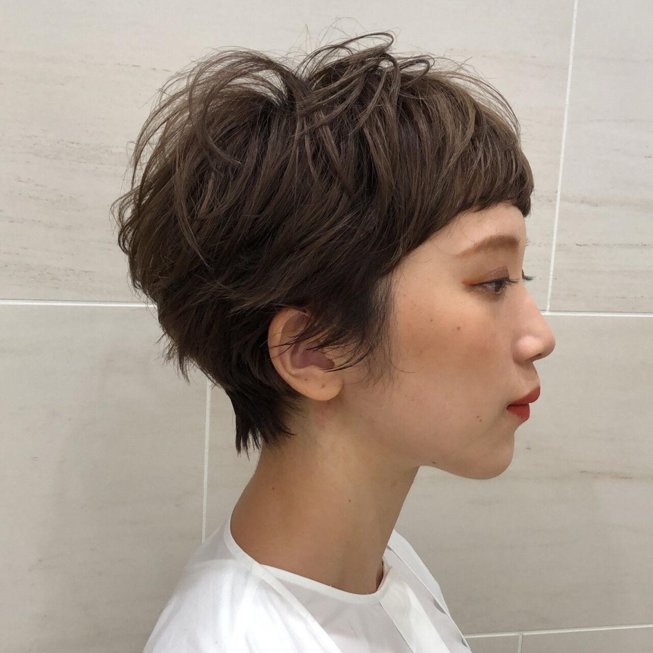マッシュショート ミルクティーベージュ ショートボブ ショートヘアヘアスタイルや髪型の写真・画像