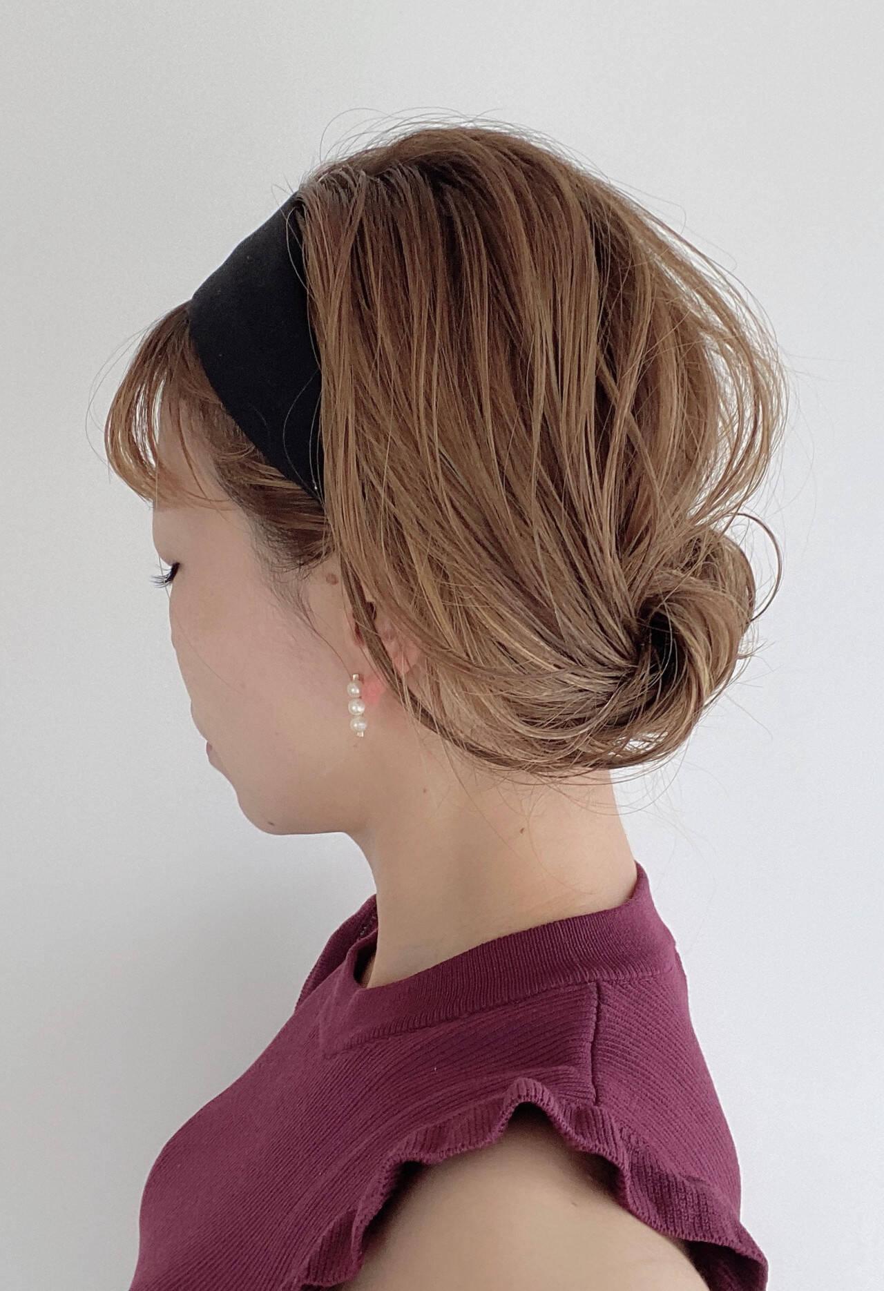 アップ セルフヘアアレンジ 簡単ヘアアレンジ ミディアムヘアスタイルや髪型の写真・画像