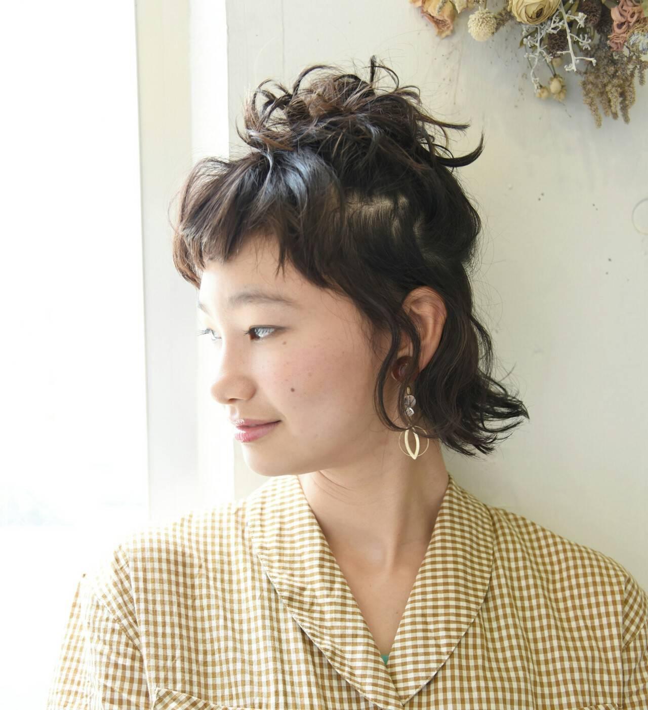 リラックス ヘアアレンジ 前髪あり ショートヘアスタイルや髪型の写真・画像