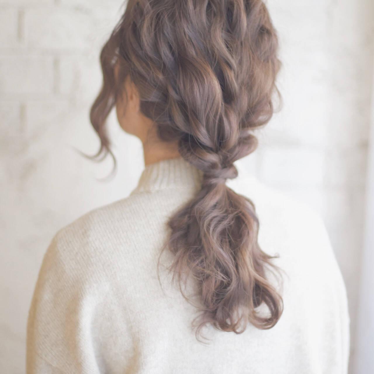 ロング アッシュ ヘアアレンジ ゆるふわヘアスタイルや髪型の写真・画像