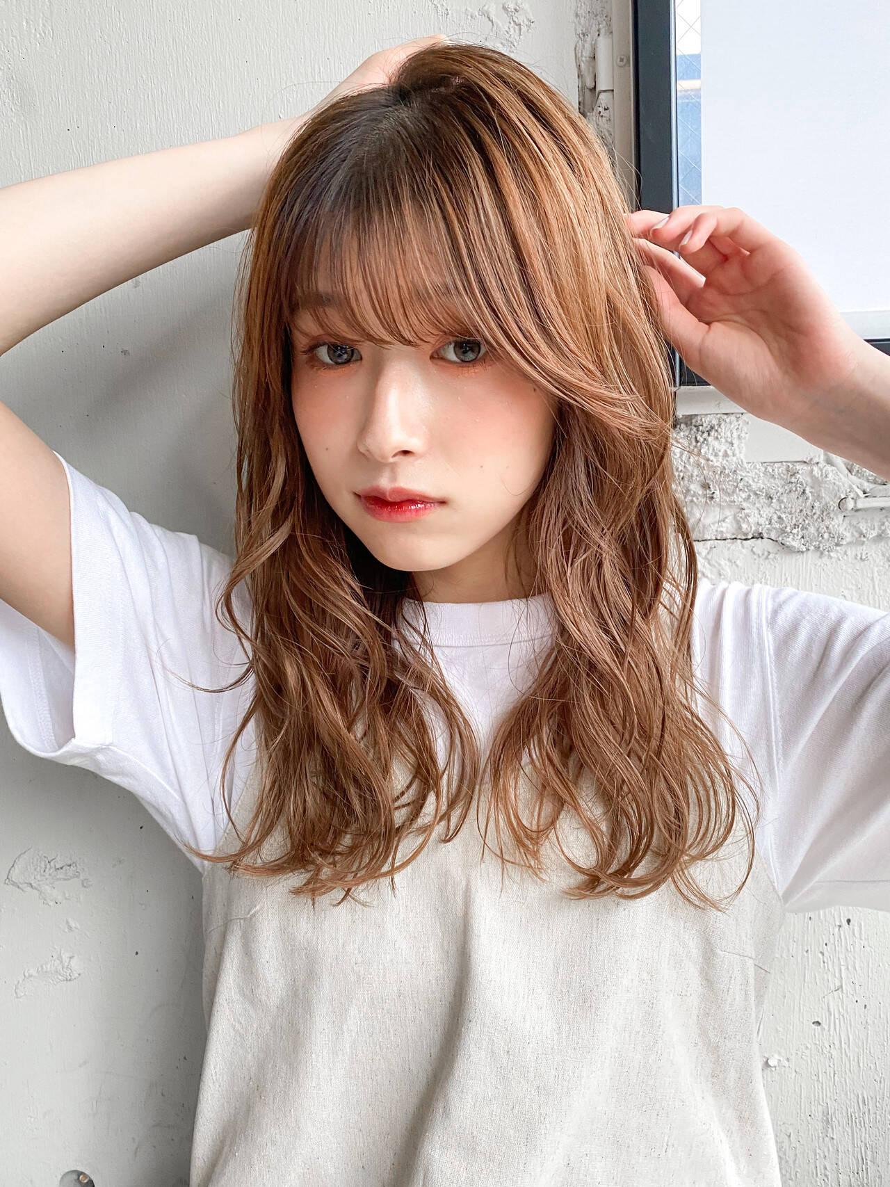 パーマ レイヤーカット ミディアム ゆるふわパーマヘアスタイルや髪型の写真・画像