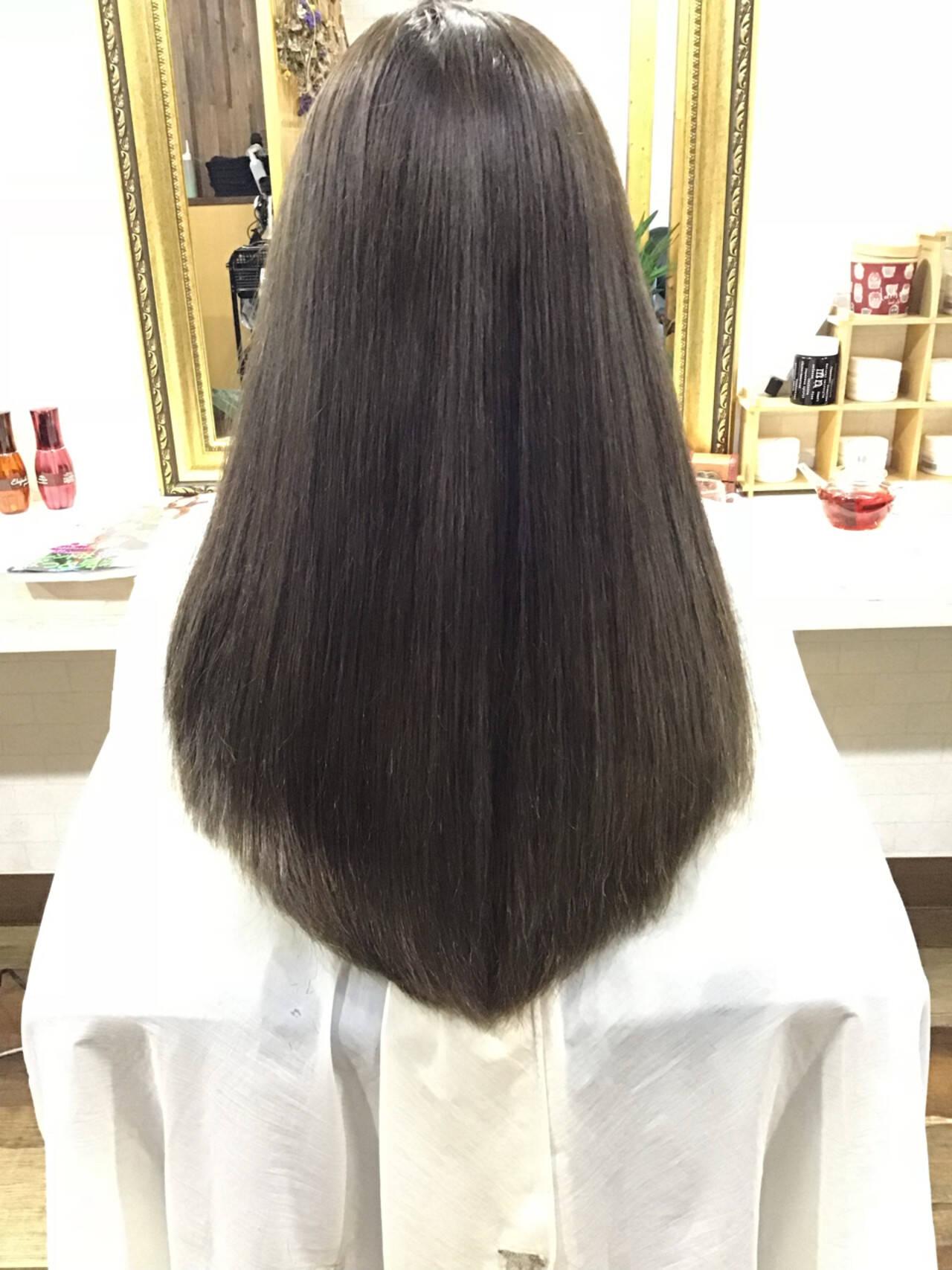 ナチュラル ストレート ロングヘアスタイルや髪型の写真・画像