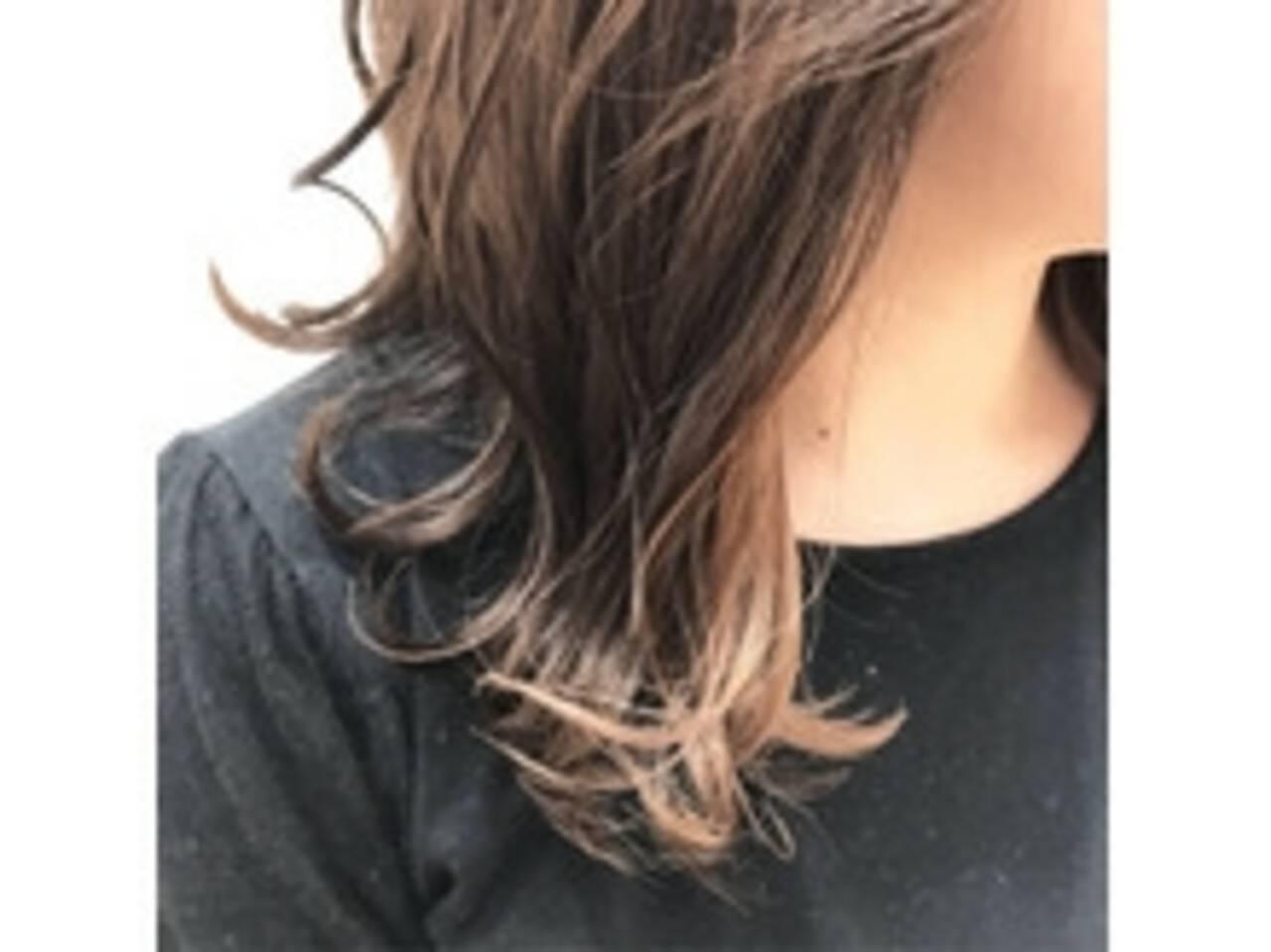 透明感 インナーカラー ガーリー ゆるふわヘアスタイルや髪型の写真・画像