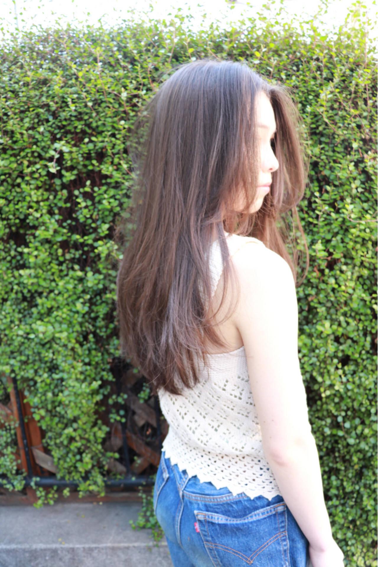 春 ロング レイヤーカット ガーリーヘアスタイルや髪型の写真・画像