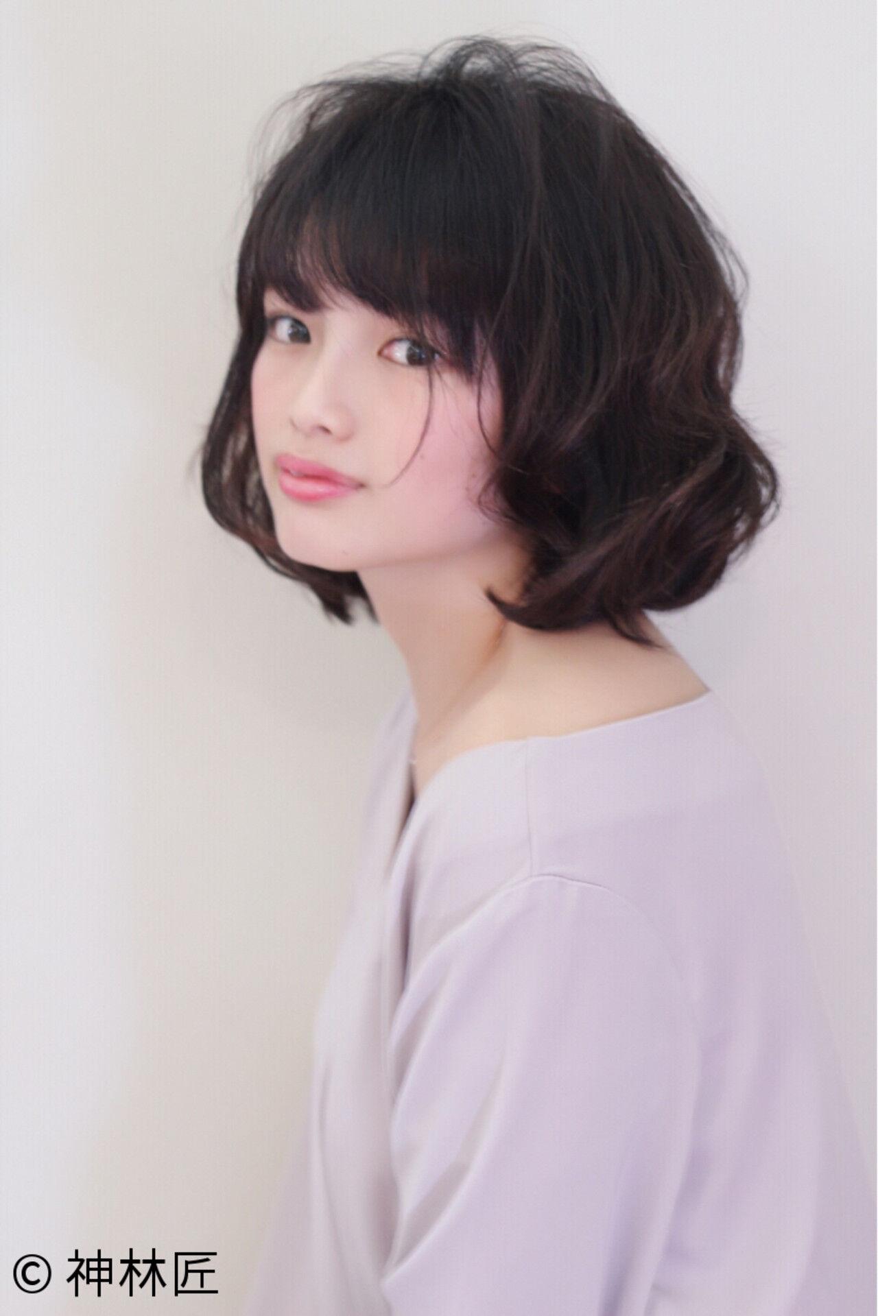 フェミニン 前髪あり 色気 ナチュラルヘアスタイルや髪型の写真・画像