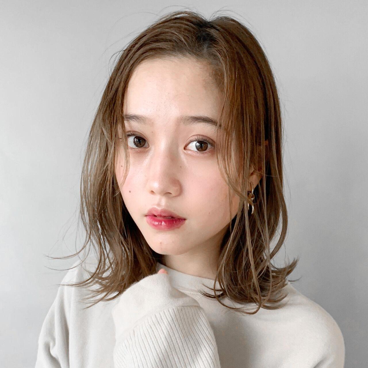 外国人風カラー アンニュイほつれヘア 前髪アレンジ インナーカラーグレージュヘアスタイルや髪型の写真・画像