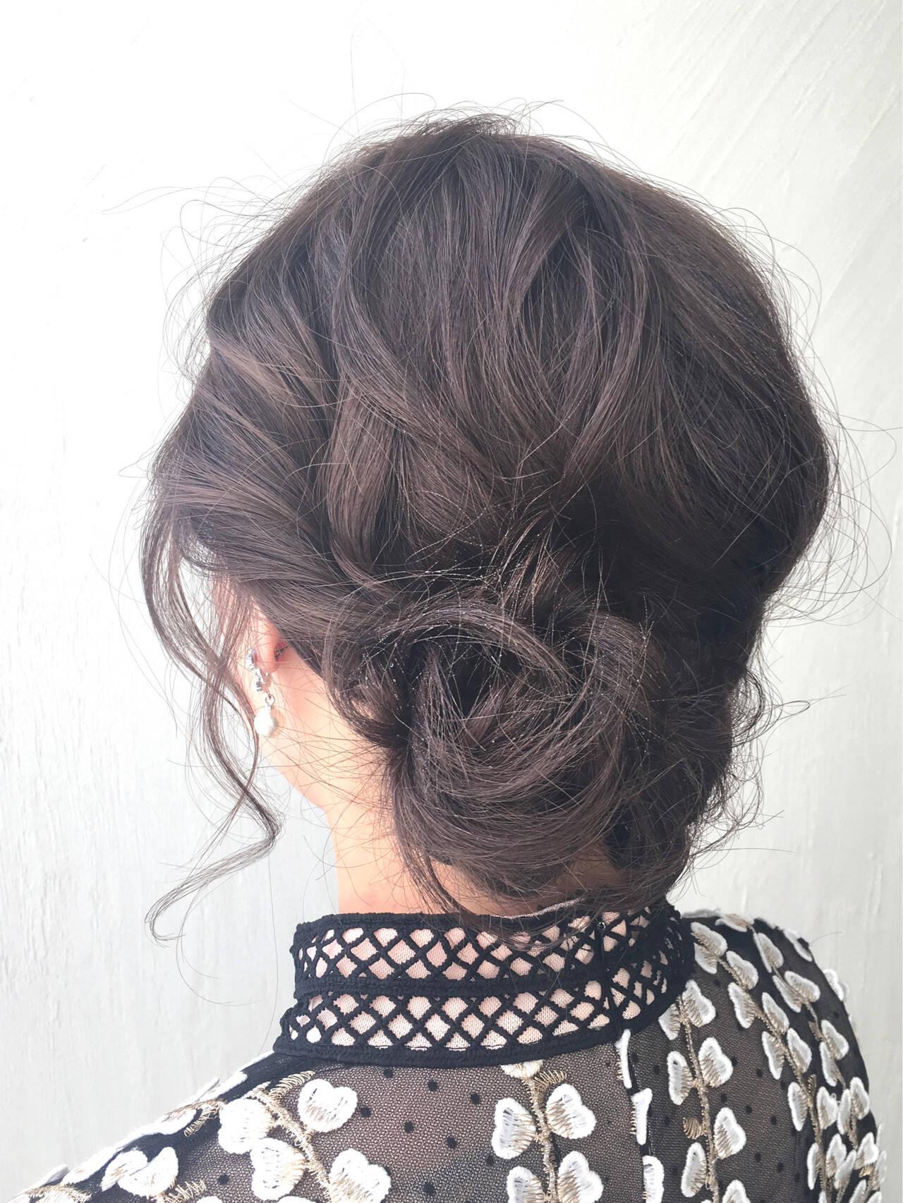 シニヨン まとめ髪 ヘアアレンジ 簡単ヘアアレンジヘアスタイルや髪型の写真・画像