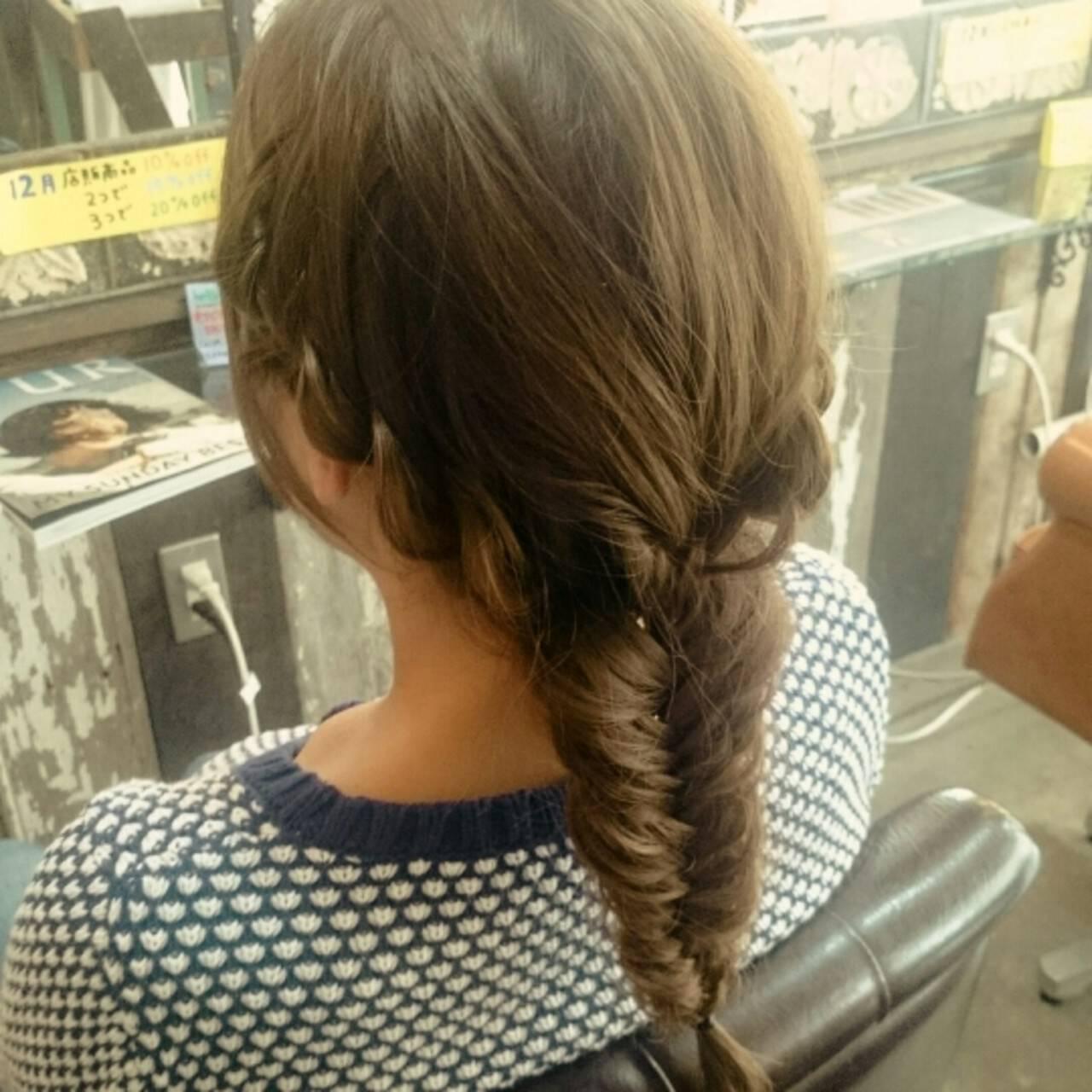 ロング 編み込み フィッシュボーン ヘアアレンジヘアスタイルや髪型の写真・画像