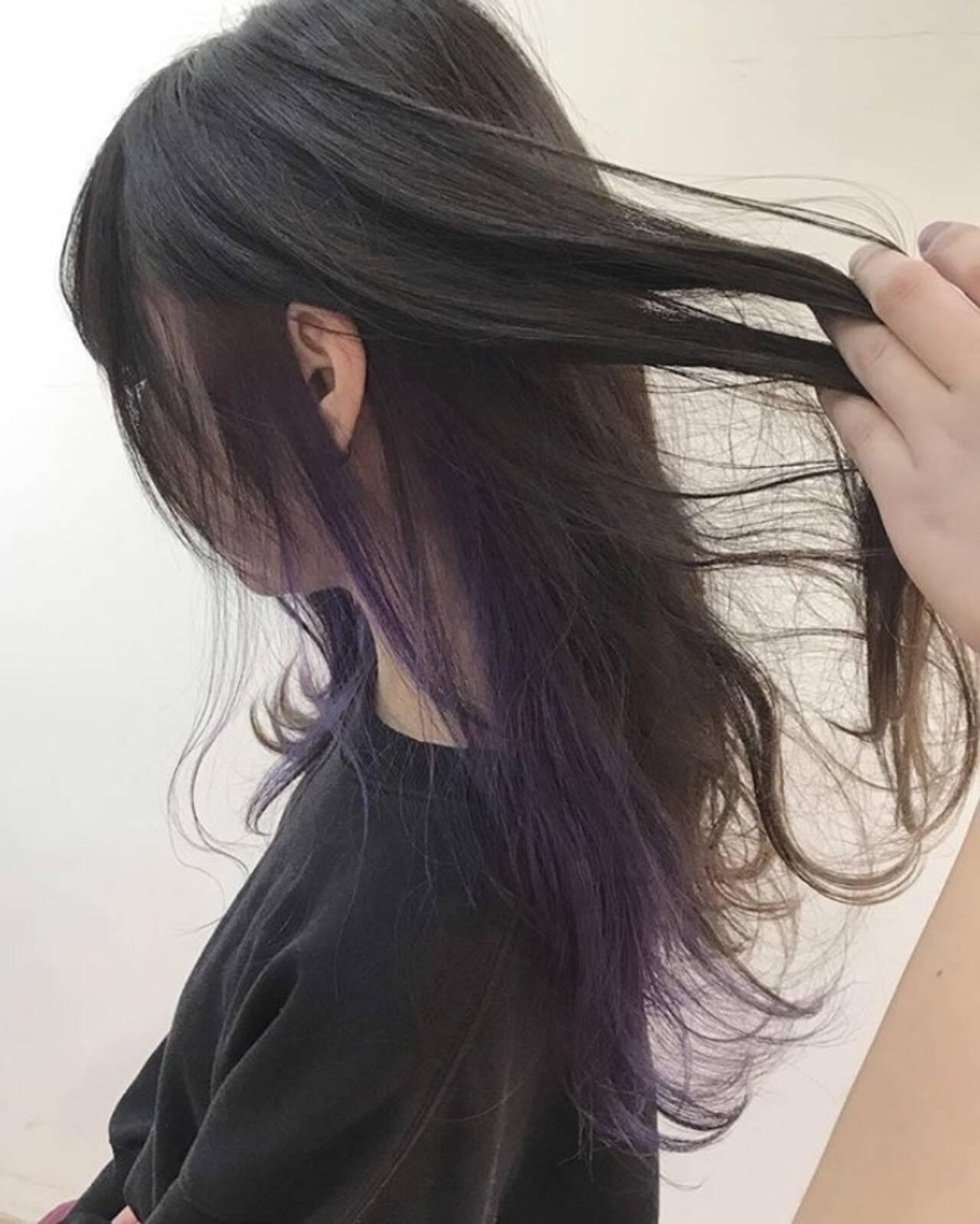イルミナカラー ロング インナーカラーパープル インナーカラーヘアスタイルや髪型の写真・画像