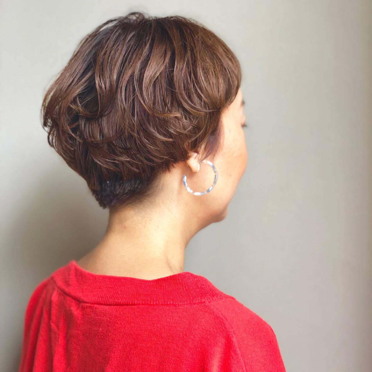 ショート ダブルカラー ラフ マッシュヘアスタイルや髪型の写真・画像