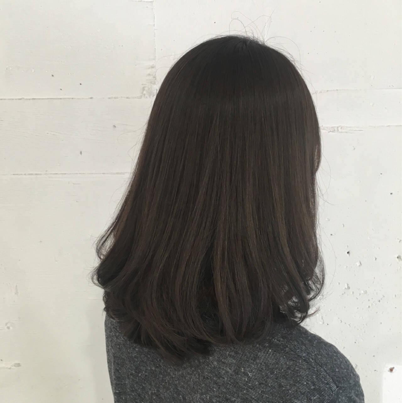 アッシュグレージュ ボブ 外国人風 ナチュラルヘアスタイルや髪型の写真・画像