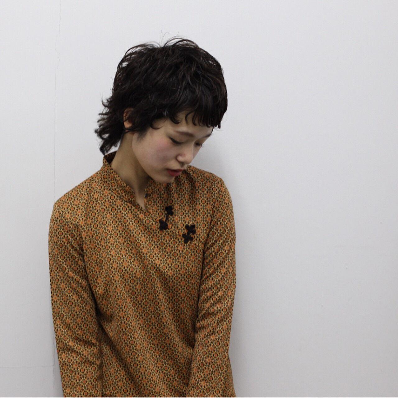 黒髪 ショート ウルフカット アッシュヘアスタイルや髪型の写真・画像