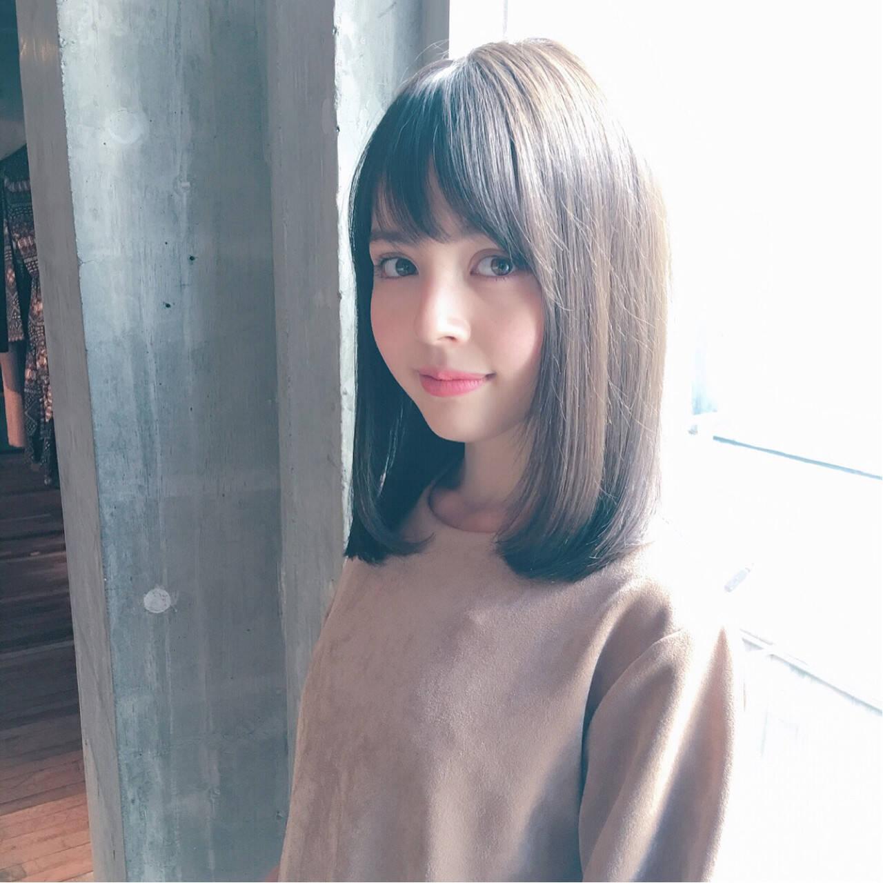 小顔 ハイライト こなれ感 ミディアムヘアスタイルや髪型の写真・画像