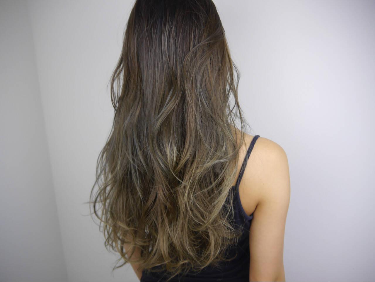 ハイライト ロング エレガント 外国人風カラーヘアスタイルや髪型の写真・画像