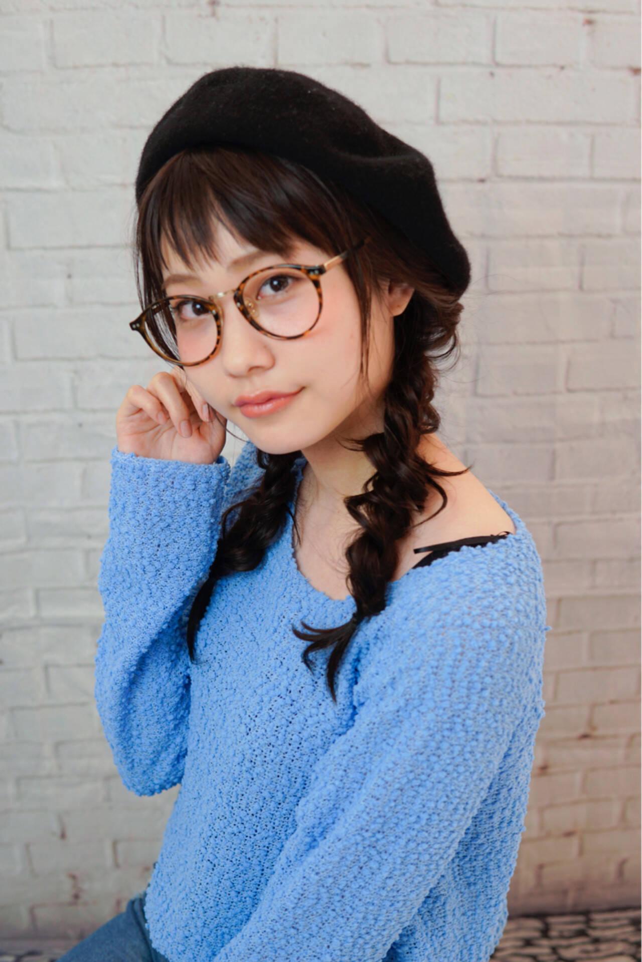 ヘアアレンジ ベレー帽 セミロング ツインテールヘアスタイルや髪型の写真・画像