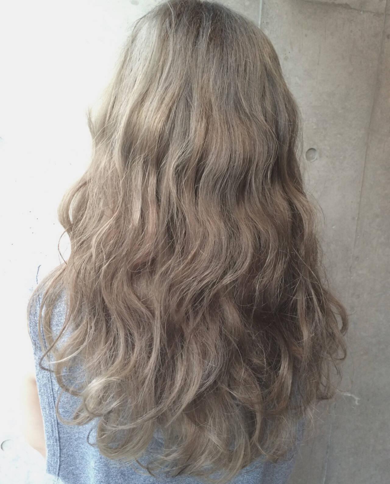 ガーリー アッシュ 外国人風 ゆるふわヘアスタイルや髪型の写真・画像
