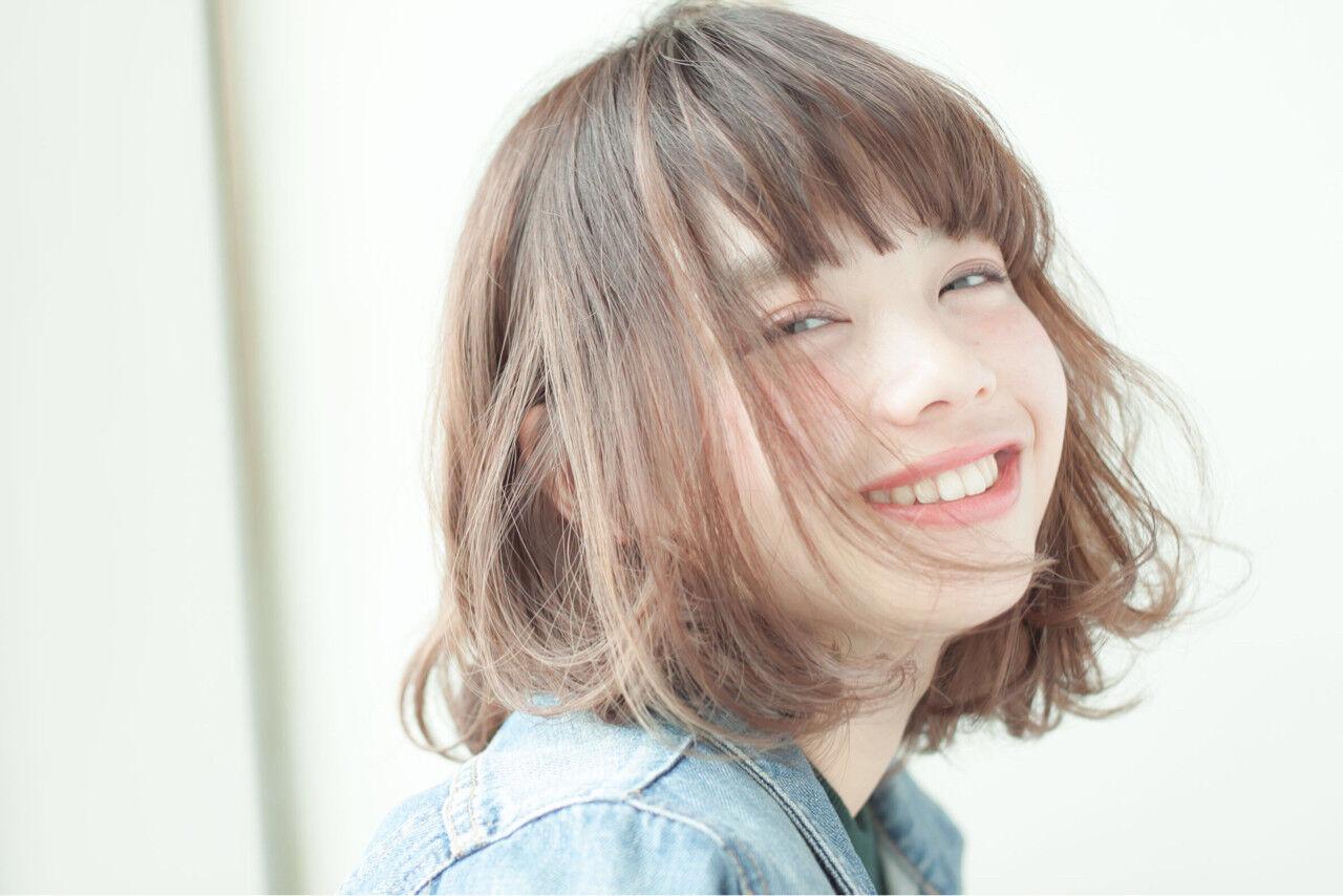 パーマ 簡単 大人かわいい レイヤーカットヘアスタイルや髪型の写真・画像