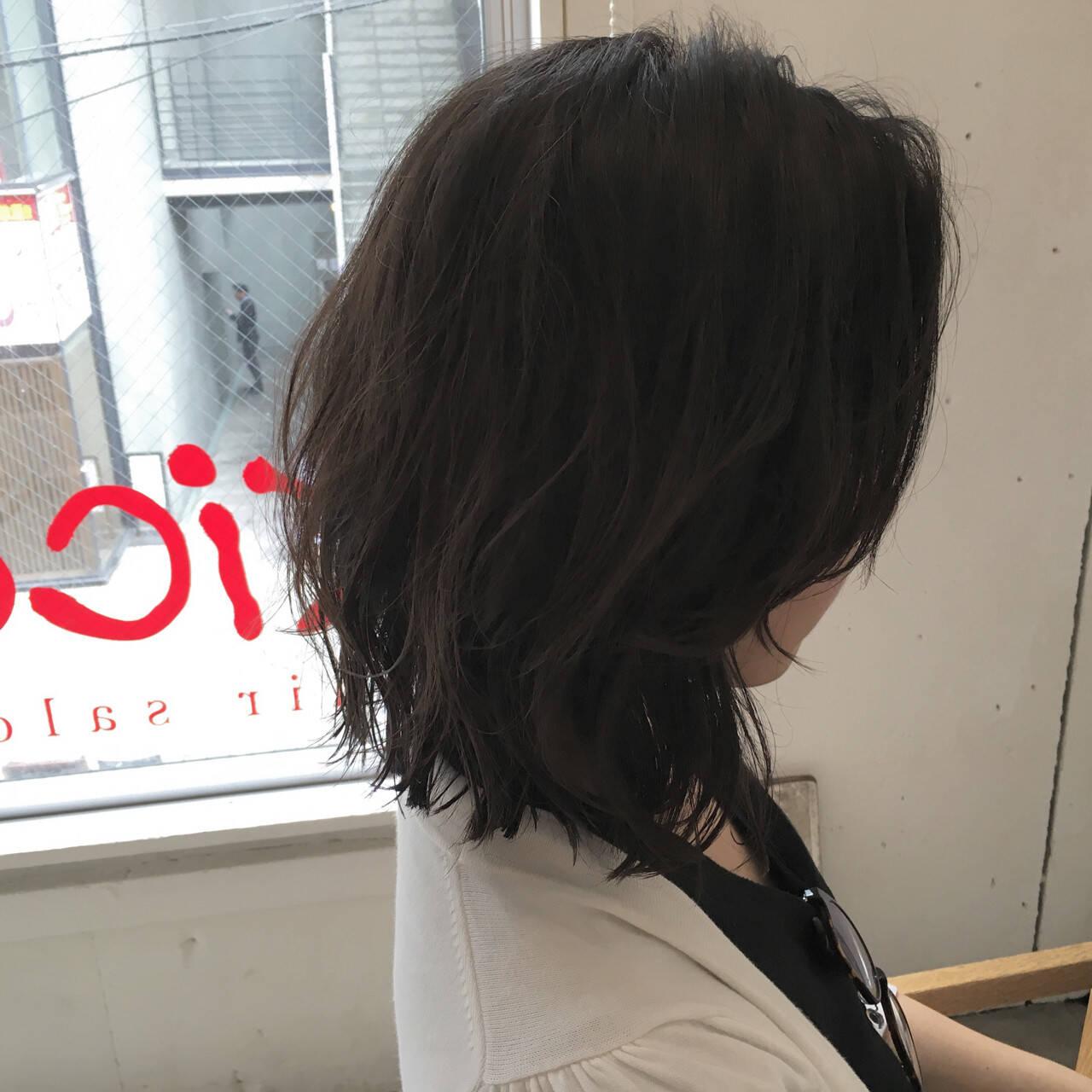 ミディアム ストリート ウルフカット レイヤーカットヘアスタイルや髪型の写真・画像