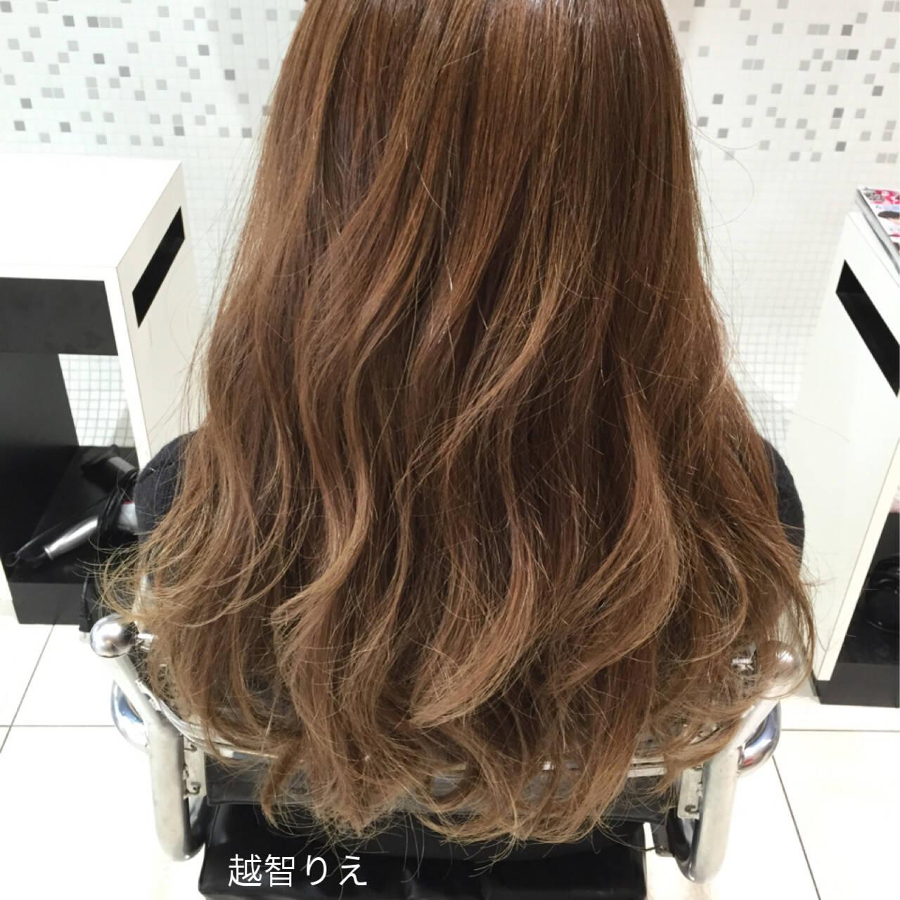 外国人風 アッシュ ブラウン ナチュラルヘアスタイルや髪型の写真・画像