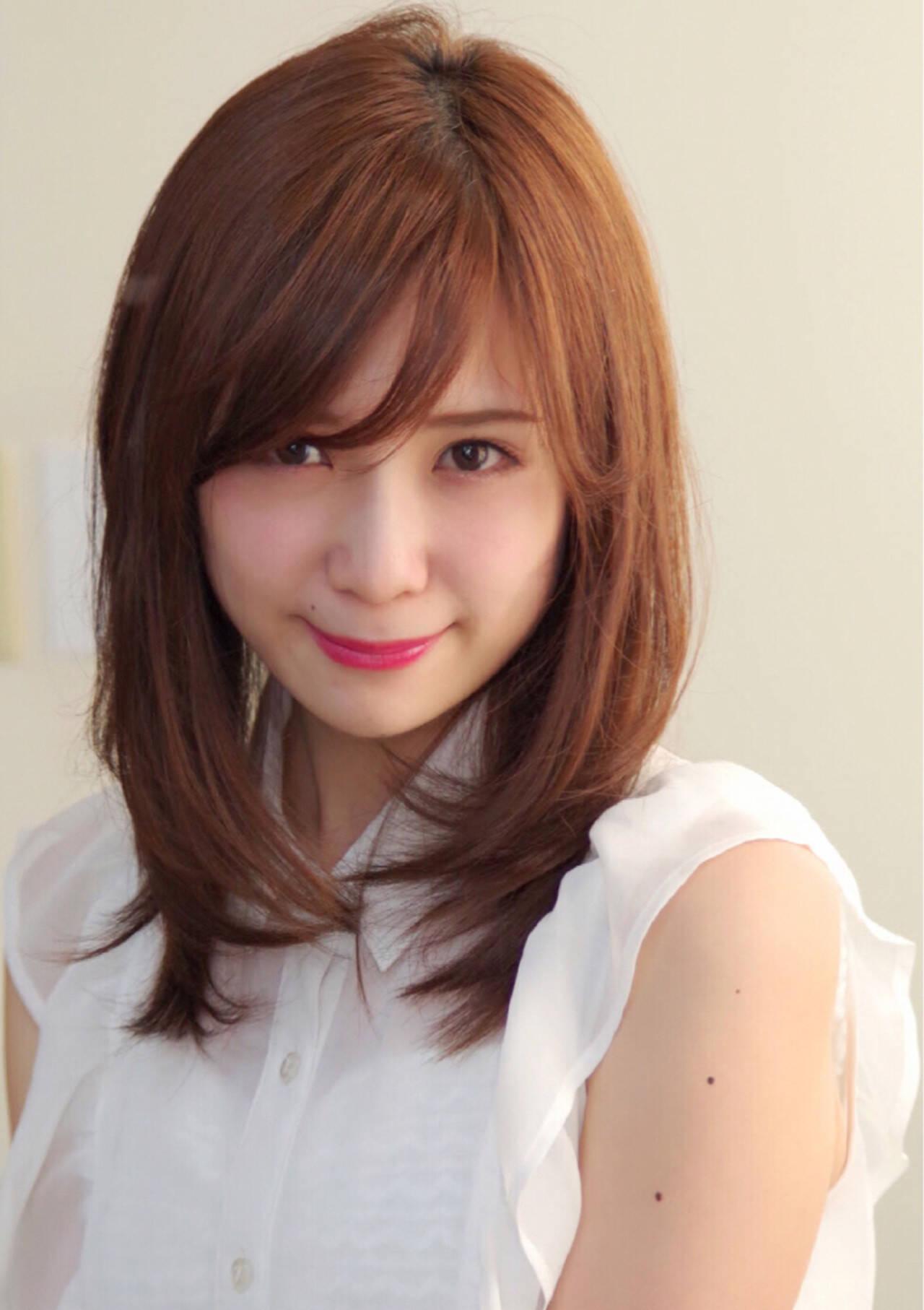 色気 ミディアム 女子会 斜め前髪ヘアスタイルや髪型の写真・画像