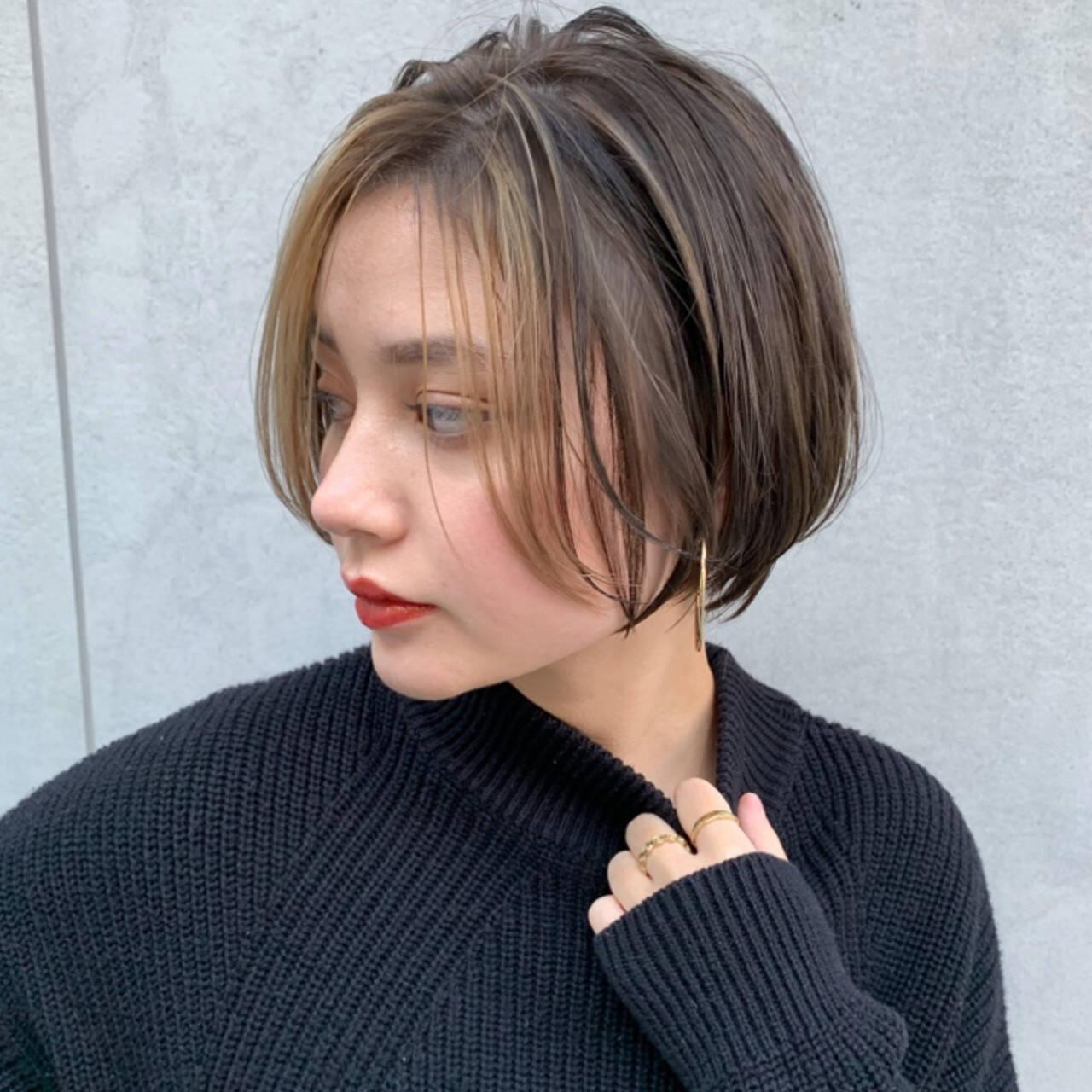 ショコラブラウン ショート 外国人風カラー シースルーバングヘアスタイルや髪型の写真・画像