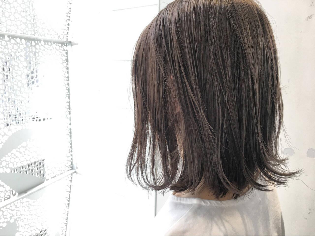 オフィス ハイライト ミディアム 外国人風ヘアスタイルや髪型の写真・画像