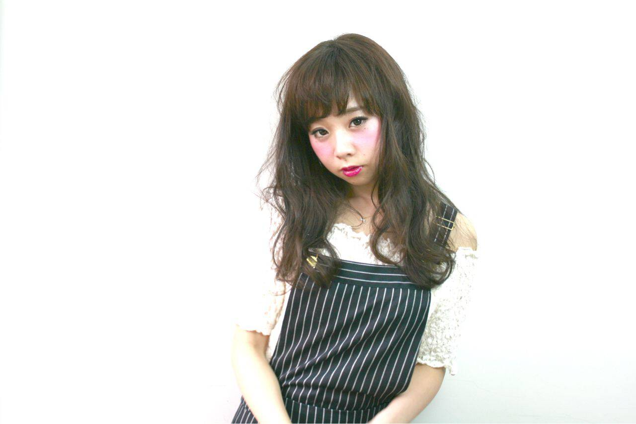 ウェットヘア コンサバ 暗髪 ロングヘアスタイルや髪型の写真・画像