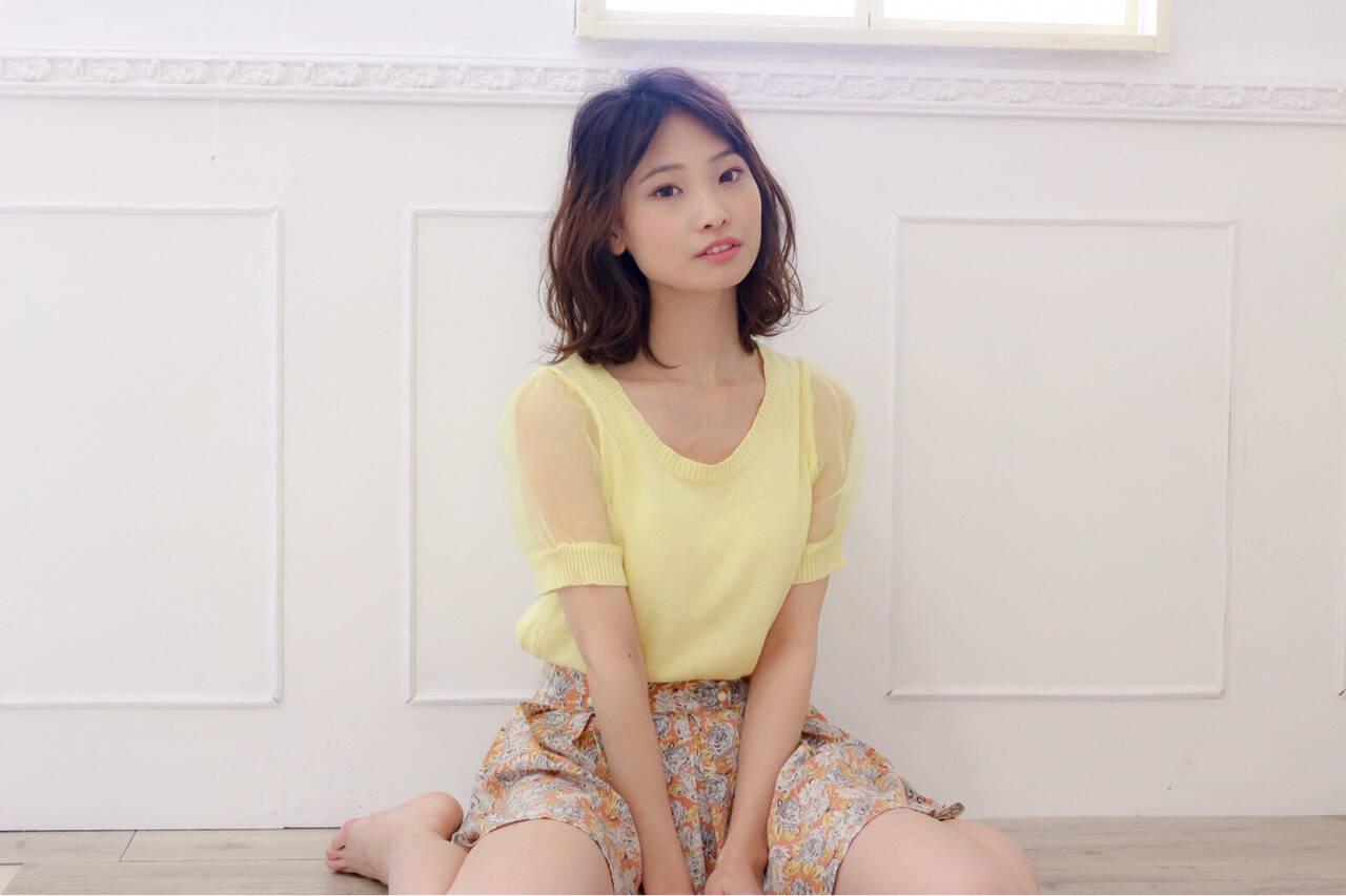 ミディアム 女子会 ガーリー ゆるふわヘアスタイルや髪型の写真・画像