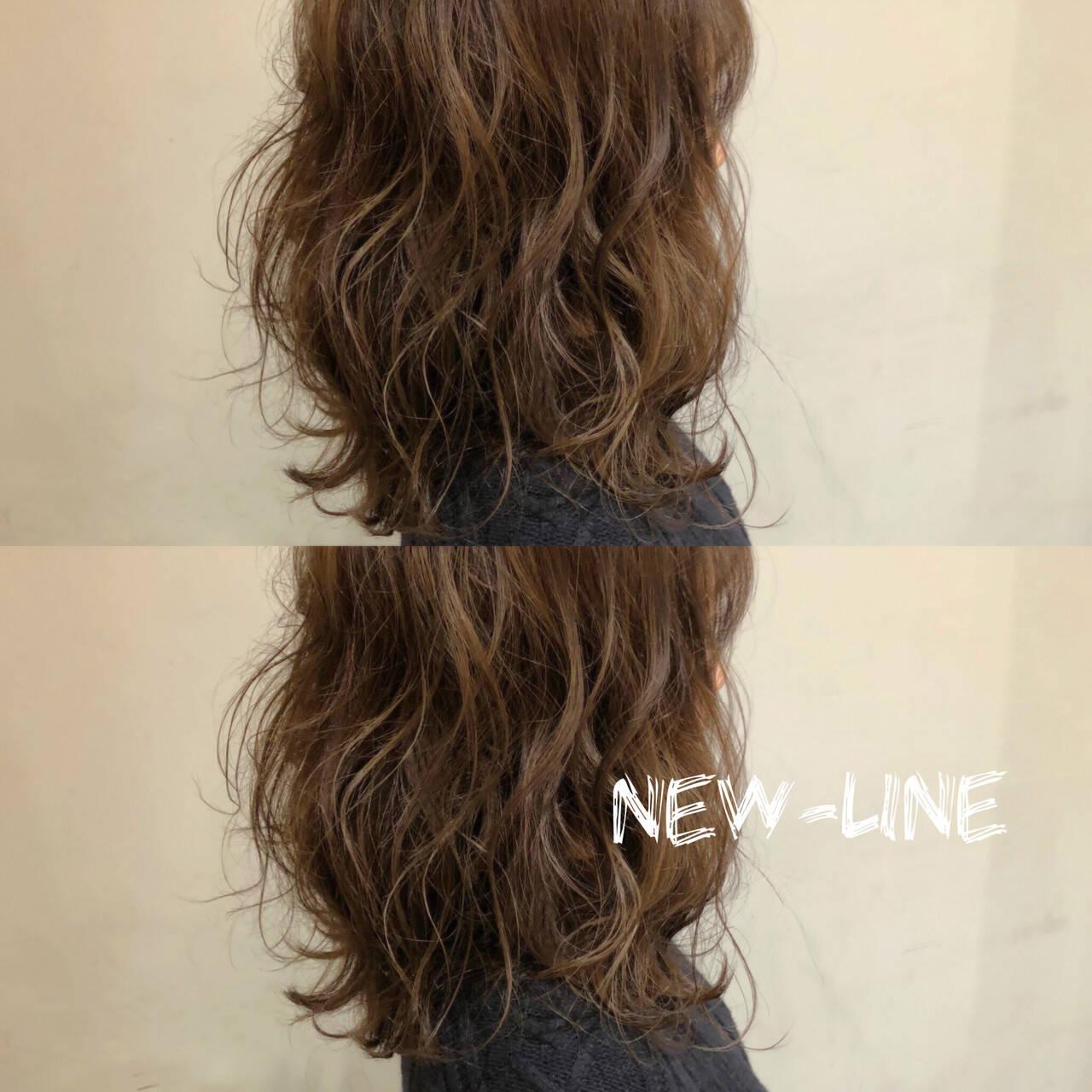 ひし形 波ウェーブ 外国人風 セミロングヘアスタイルや髪型の写真・画像