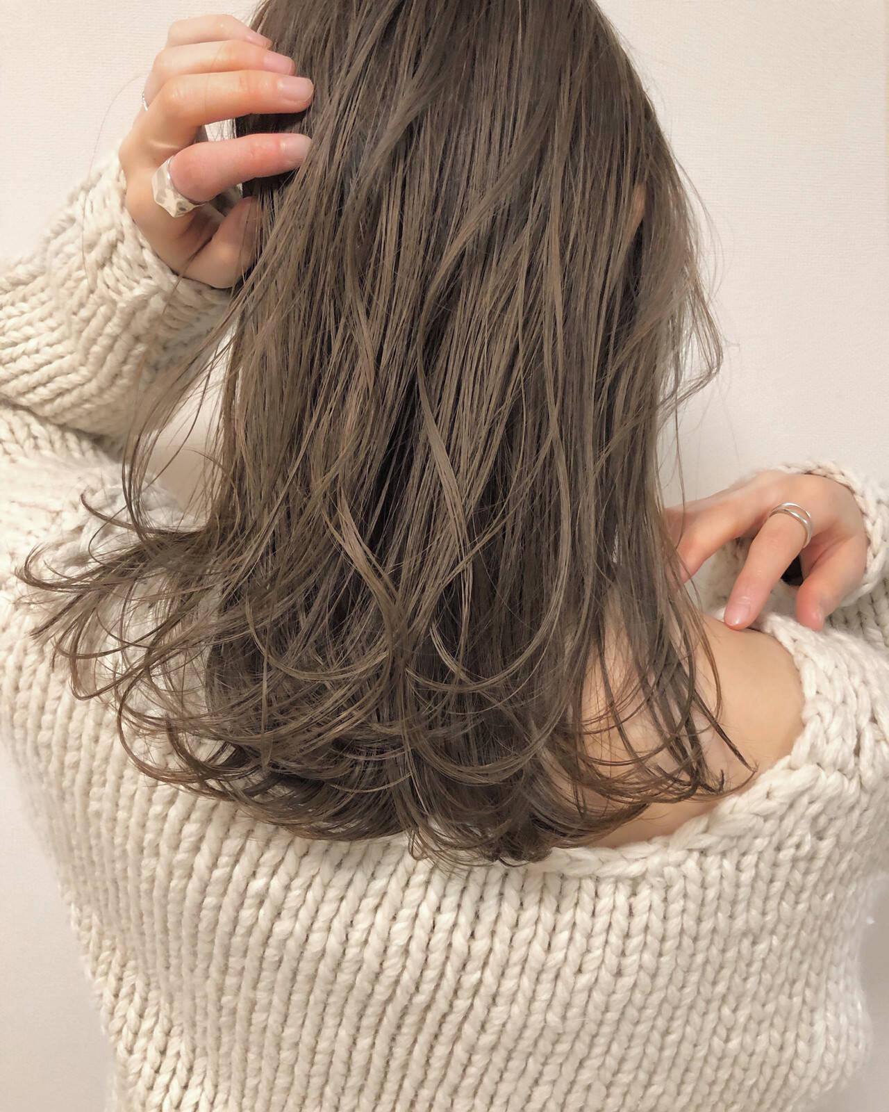 ベージュ ナチュラル ブラウン デートヘアスタイルや髪型の写真・画像