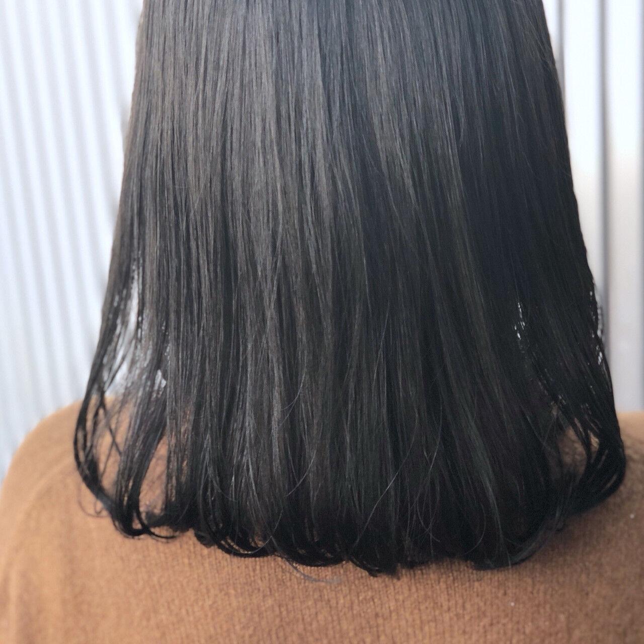 透明感 ナチュラル ミディアム ストレートヘアスタイルや髪型の写真・画像