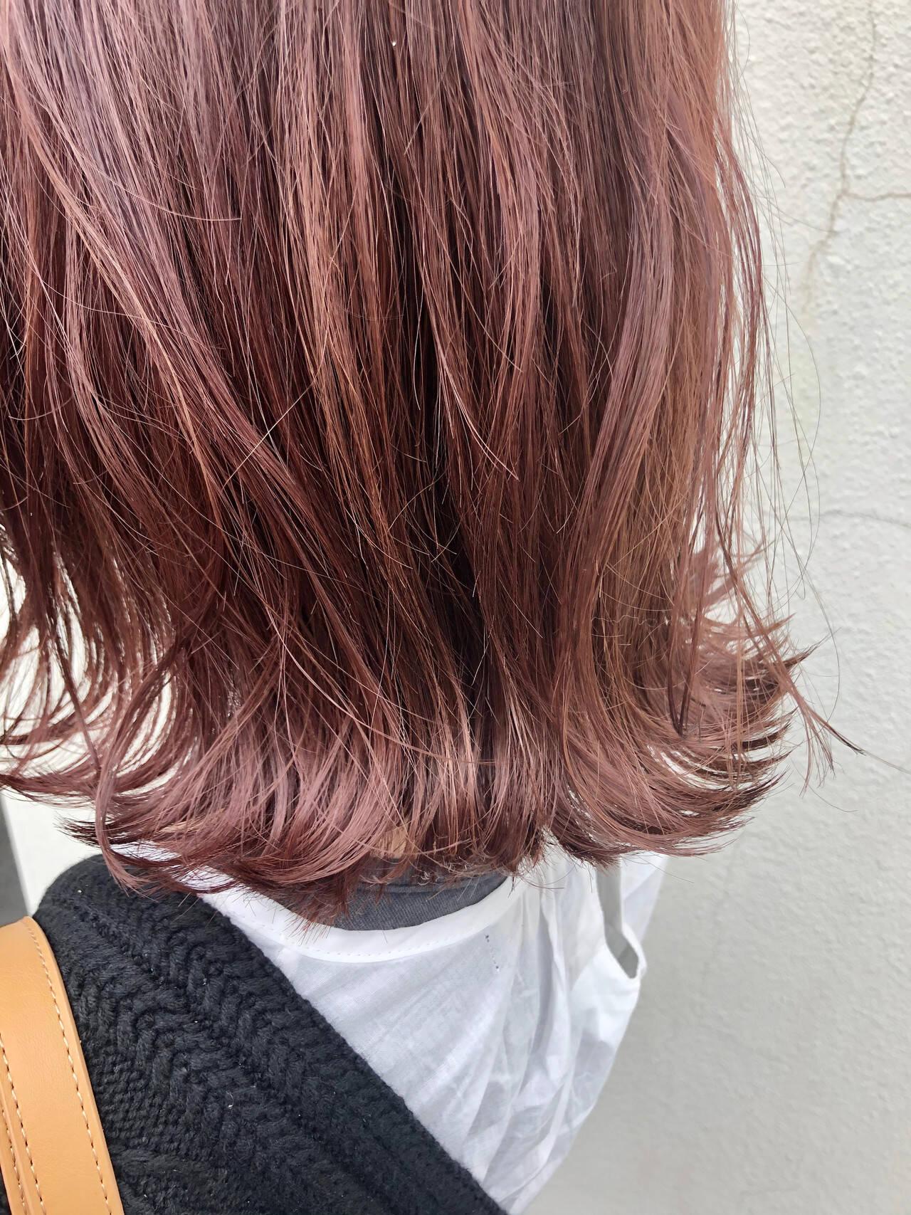 フェミニン 切りっぱなしボブ 秋ブラウン レッドヘアスタイルや髪型の写真・画像