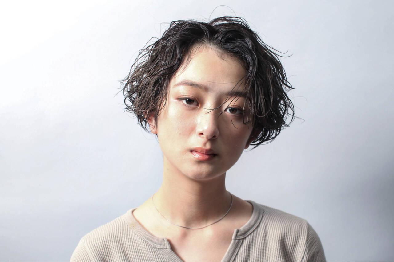 デート パーマ アンニュイほつれヘア ショートヘアスタイルや髪型の写真・画像