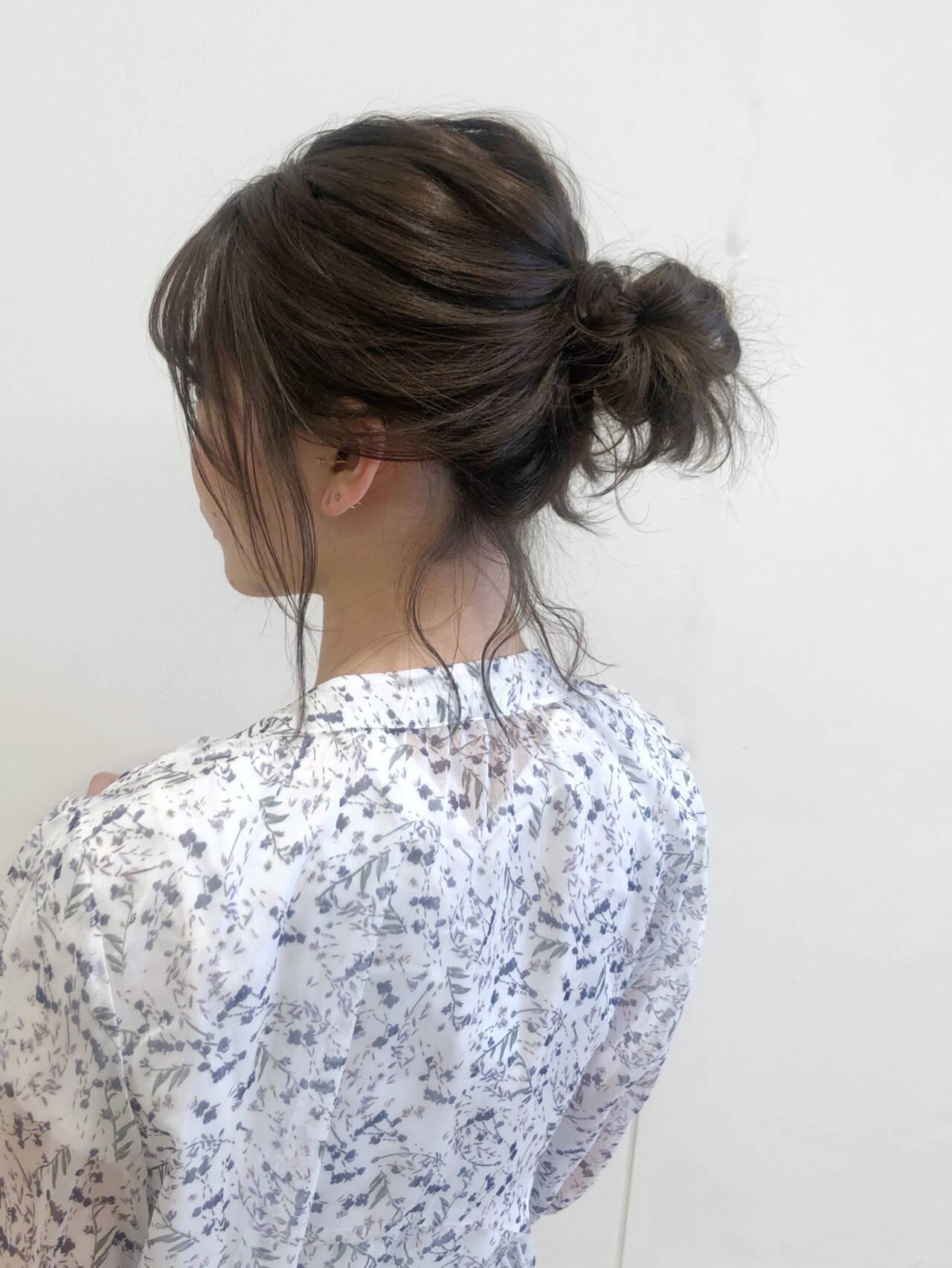 ナチュラル ヘアアレンジ メッシーバン 簡単ヘアアレンジヘアスタイルや髪型の写真・画像