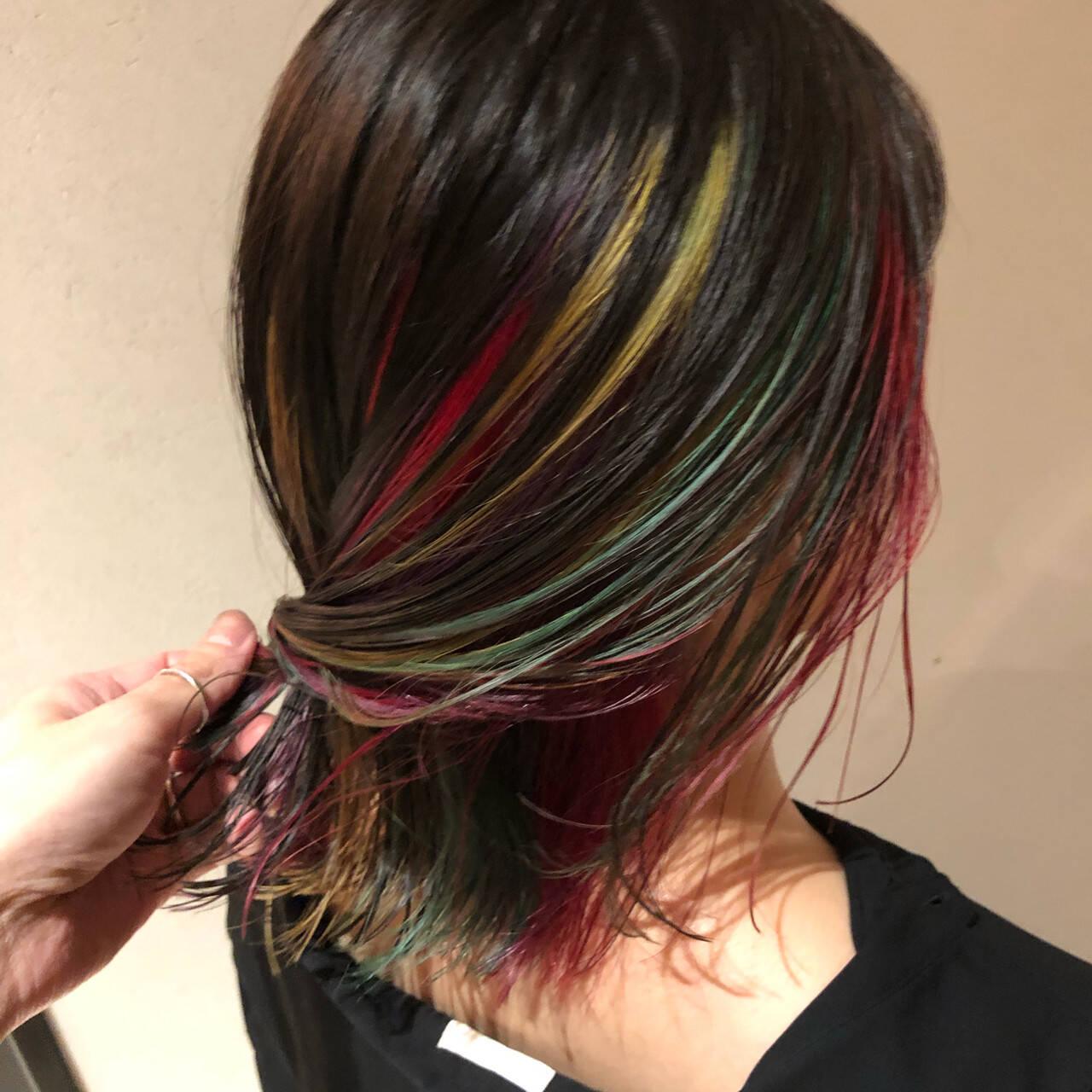 インナーカラーバイオレット ユニコーン ユニコーンカラー ミディアムヘアスタイルや髪型の写真・画像