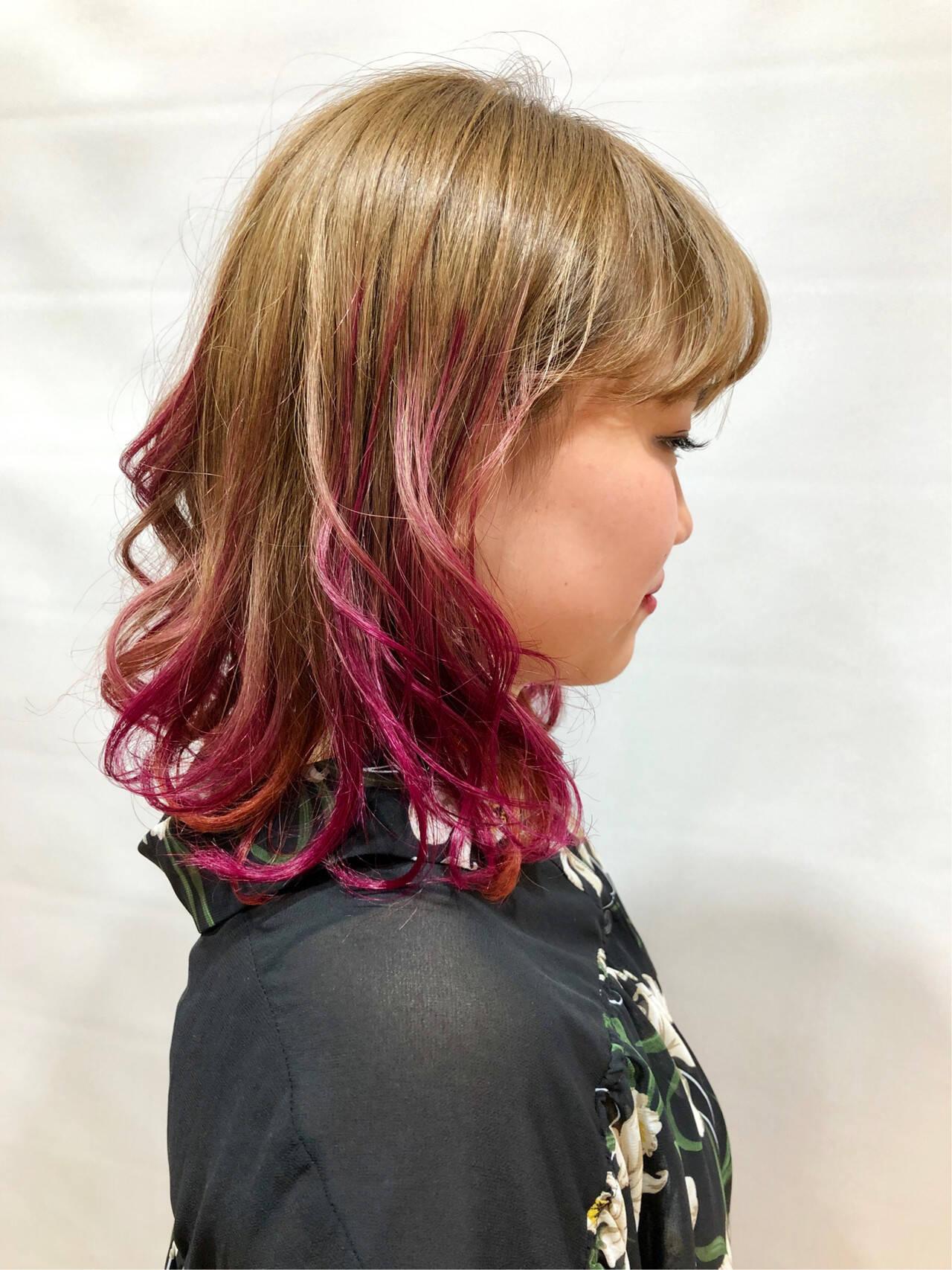 ガーリー パーマ デート ラズベリーピンクヘアスタイルや髪型の写真・画像