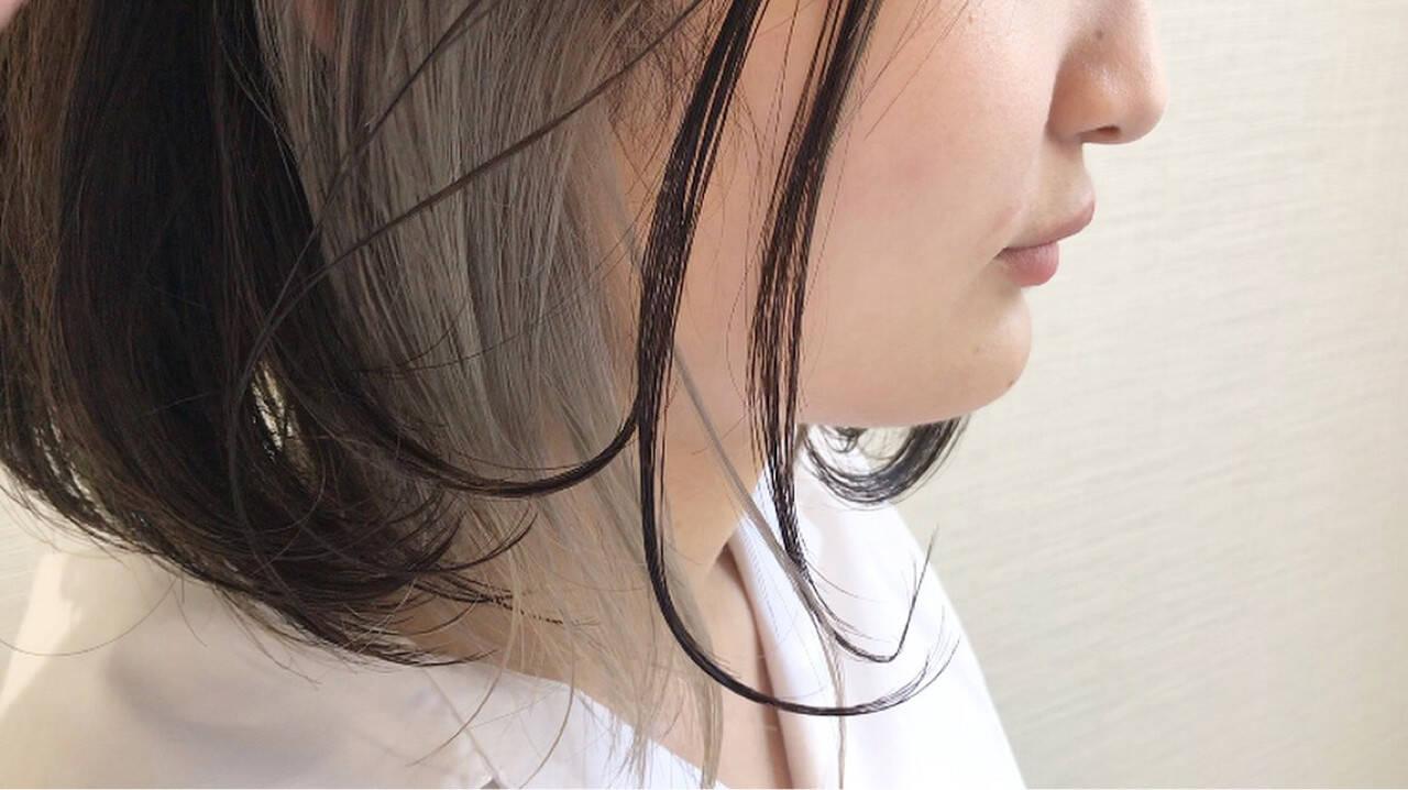 シルバー ホワイト グレー ストリートヘアスタイルや髪型の写真・画像