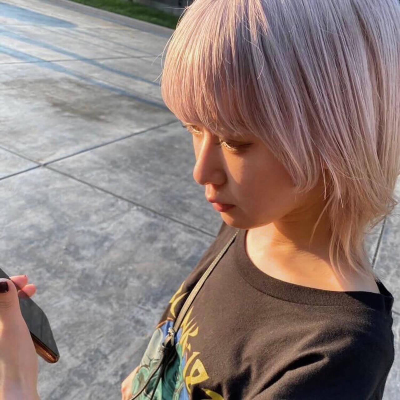 ウルフカット ストリート パープル マッシュウルフヘアスタイルや髪型の写真・画像