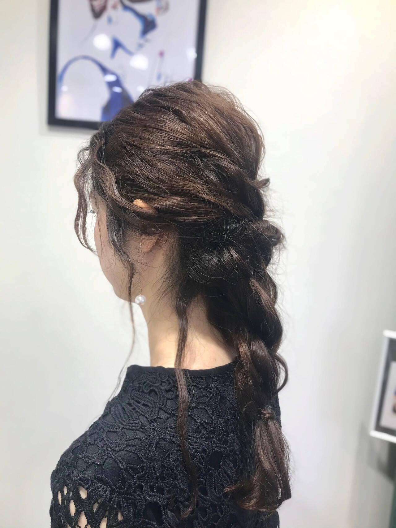 編みおろしヘア 結婚式ヘアアレンジ 逆りんぱ ナチュラルヘアスタイルや髪型の写真・画像