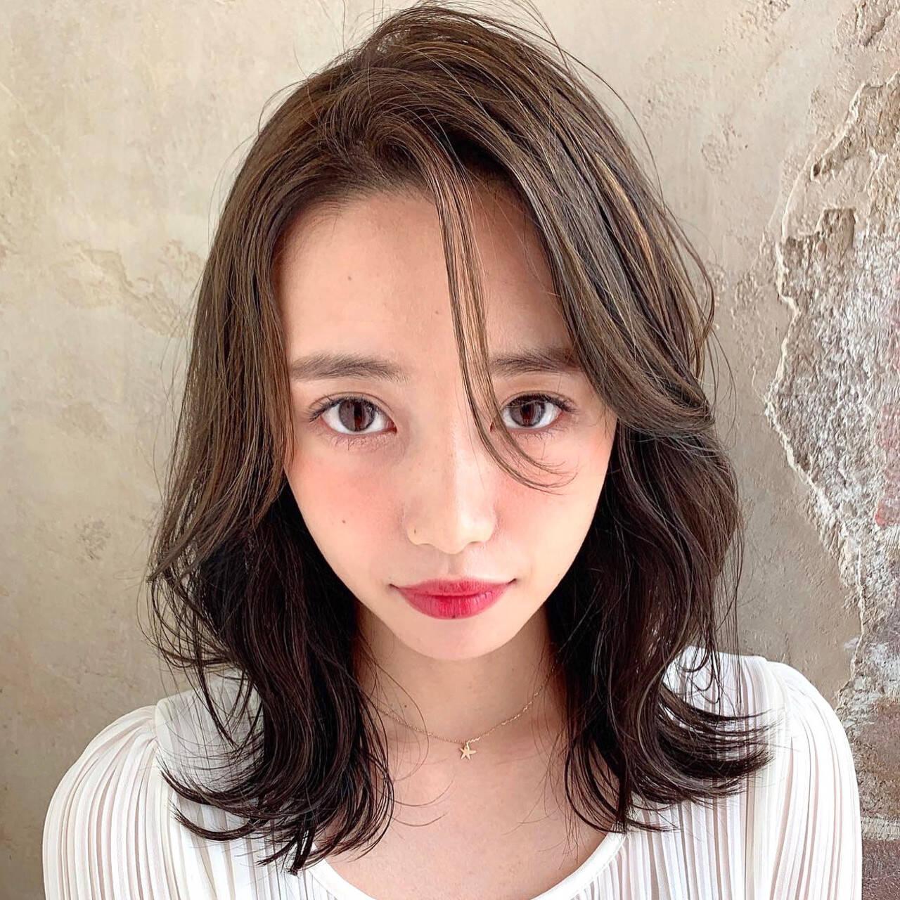 色気 レイヤー エレガント 前髪なしヘアスタイルや髪型の写真・画像