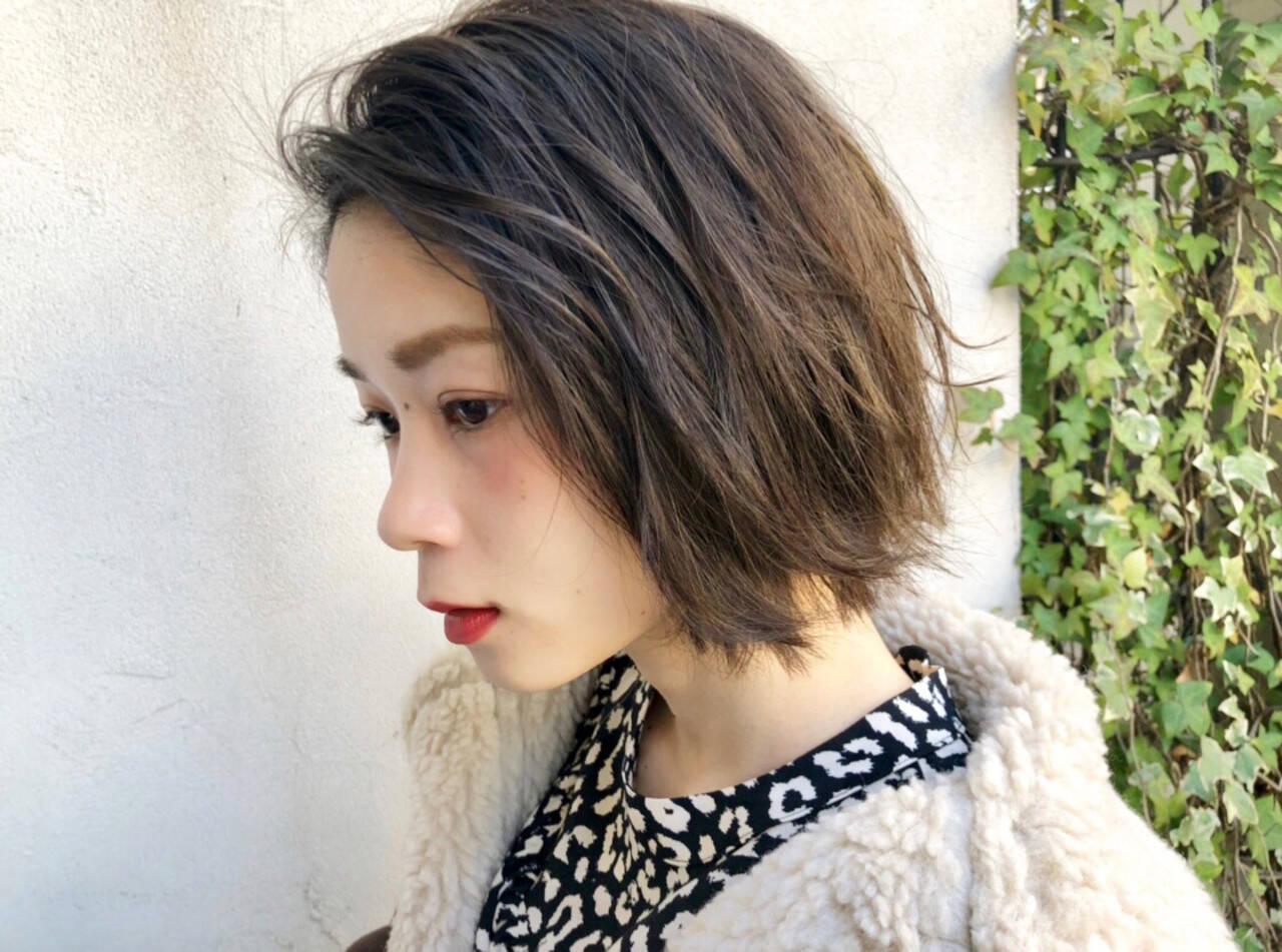 アウトドア デート アンニュイほつれヘア オフィスヘアスタイルや髪型の写真・画像