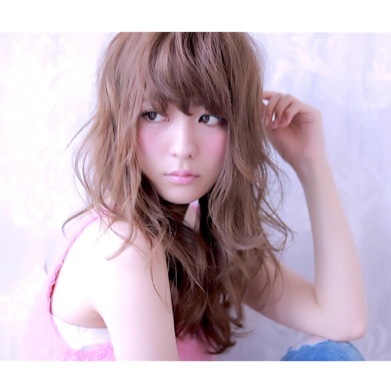 ガーリー アッシュ レイヤーカット ロングヘアスタイルや髪型の写真・画像