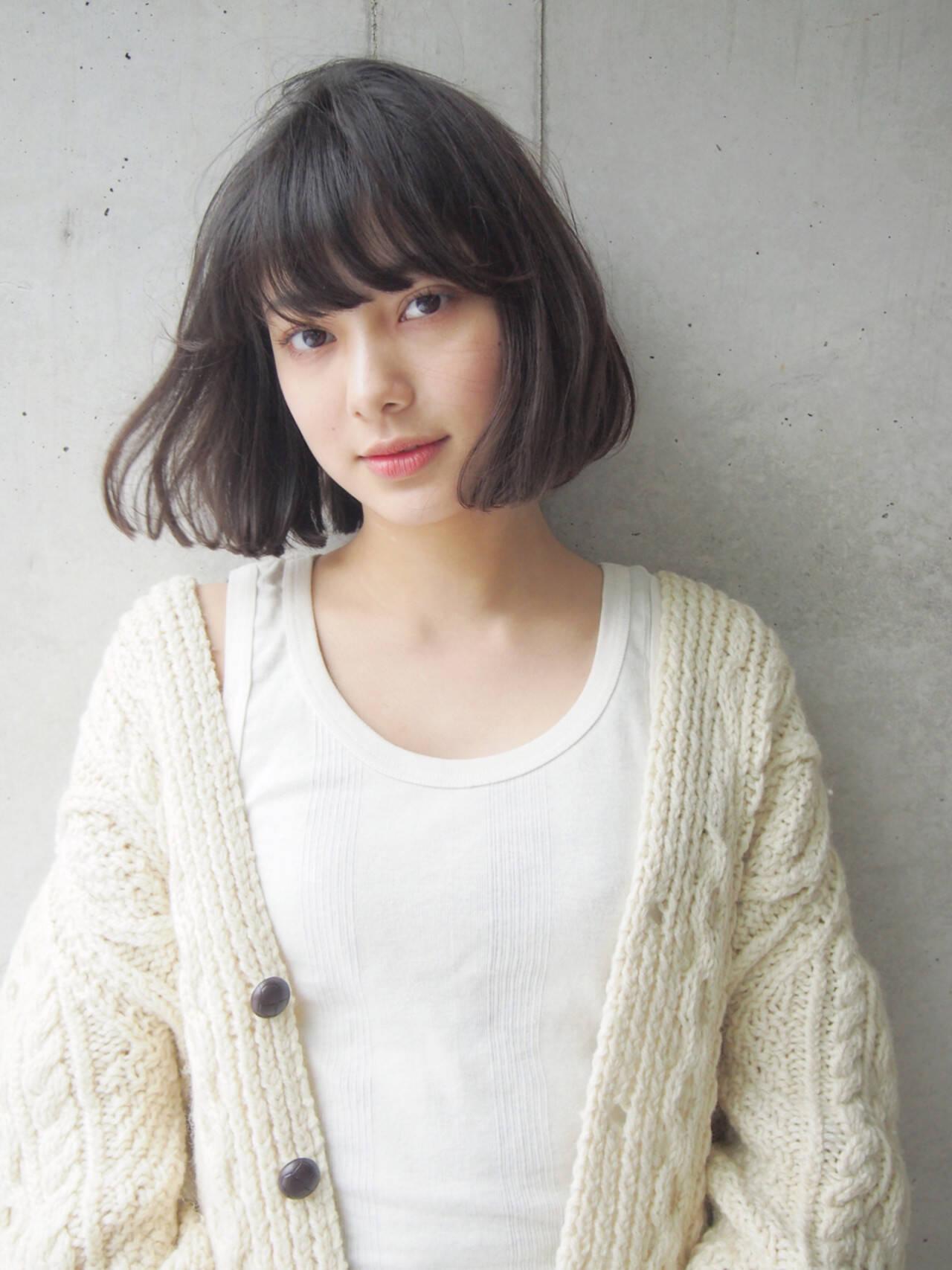 大人女子 外国人風 パーマ 小顔ヘアスタイルや髪型の写真・画像