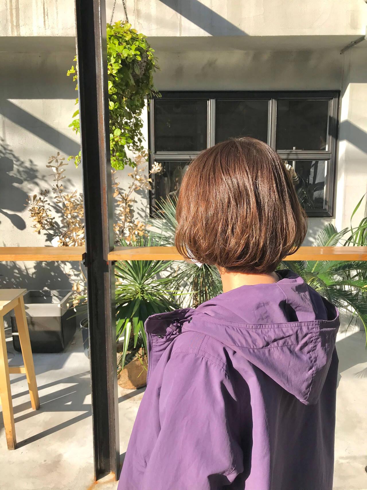 ミルクティーベージュ ミニボブ ショートボブ ナチュラルヘアスタイルや髪型の写真・画像