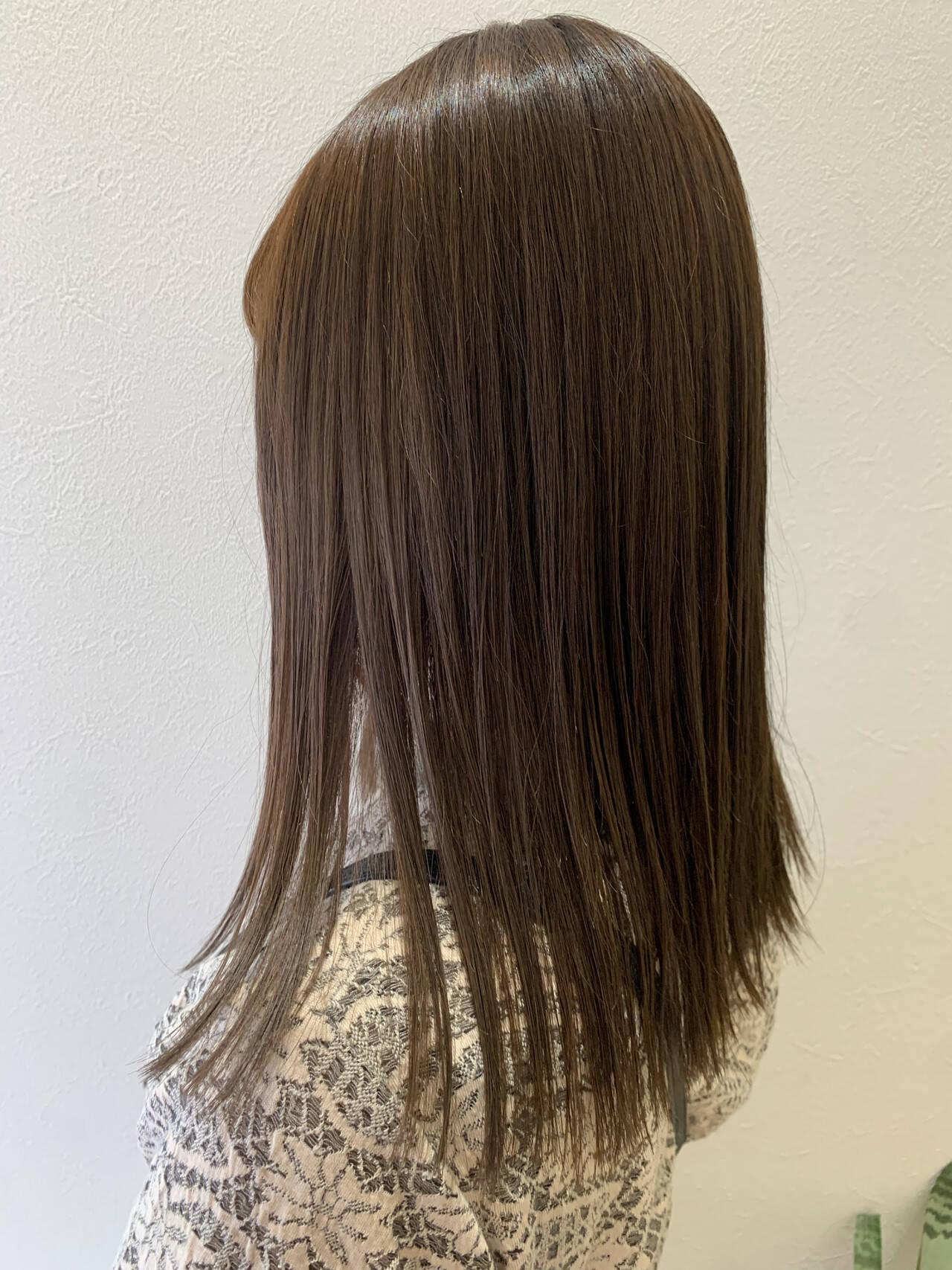 ナチュラルベージュ ナチュラル ショコラブラウン 切りっぱなしヘアスタイルや髪型の写真・画像