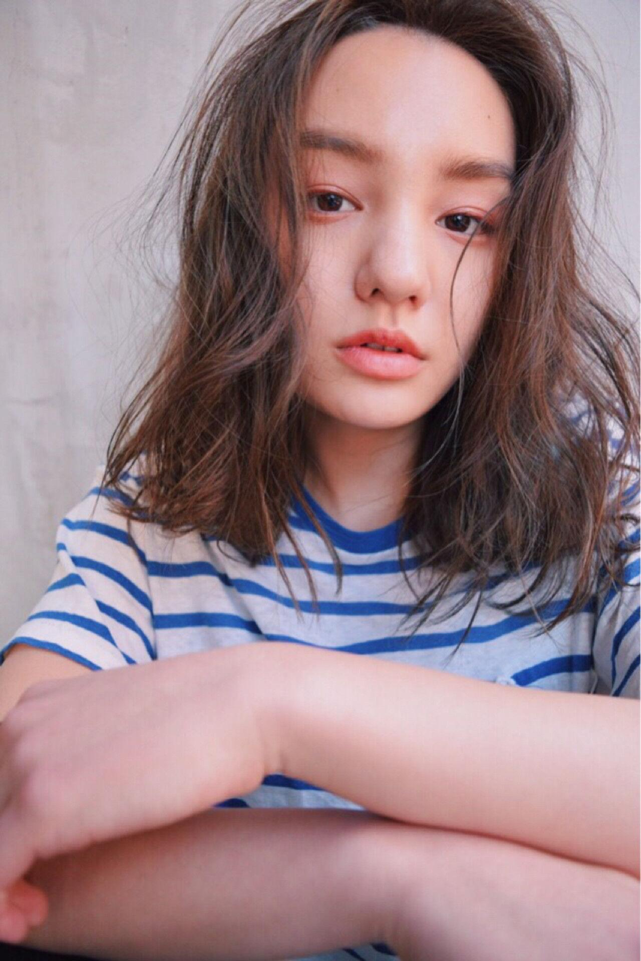 グラデーションカラー 外国人風 ナチュラル アッシュヘアスタイルや髪型の写真・画像