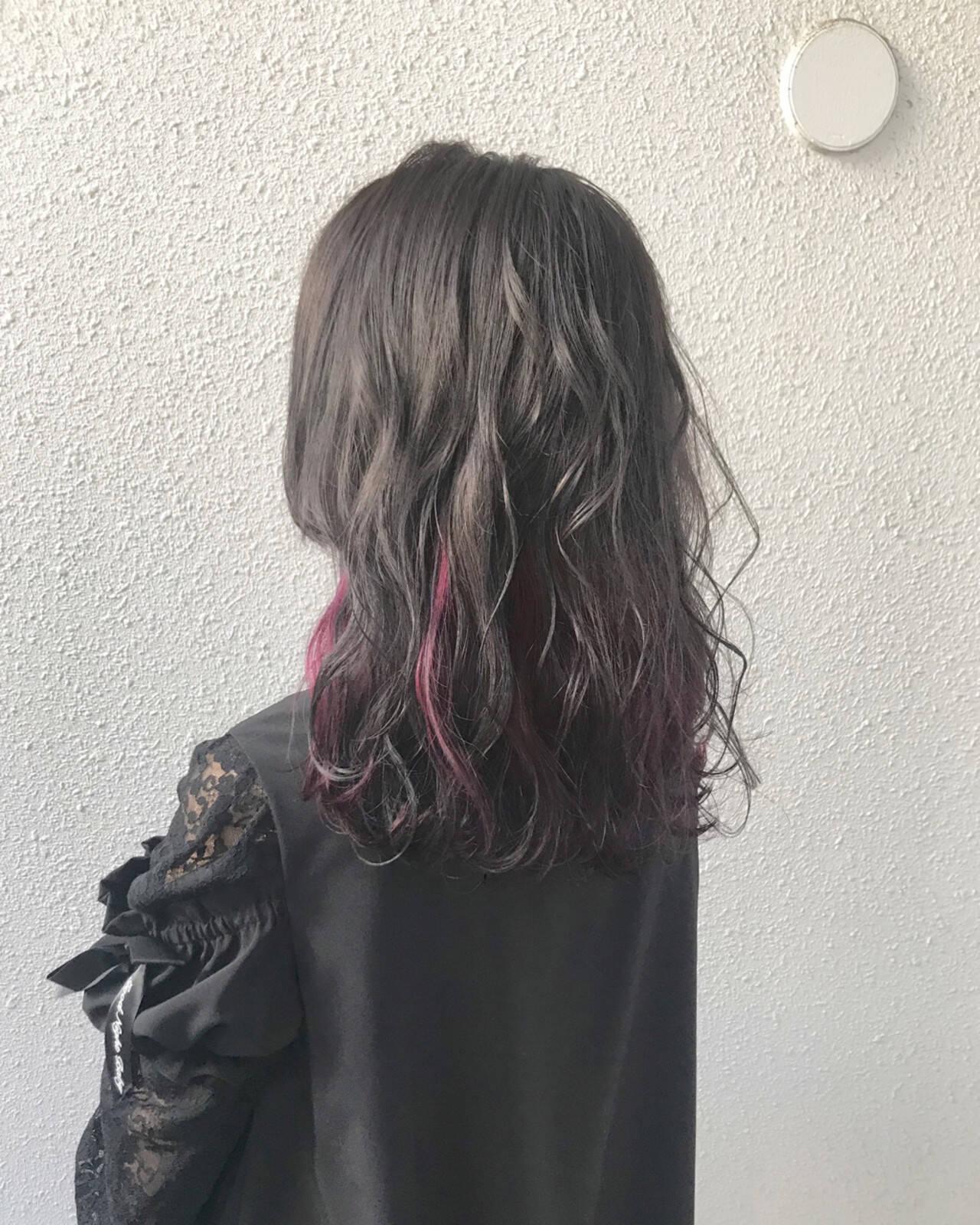 インナーカラー セミロング 上品 ダブルカラーヘアスタイルや髪型の写真・画像