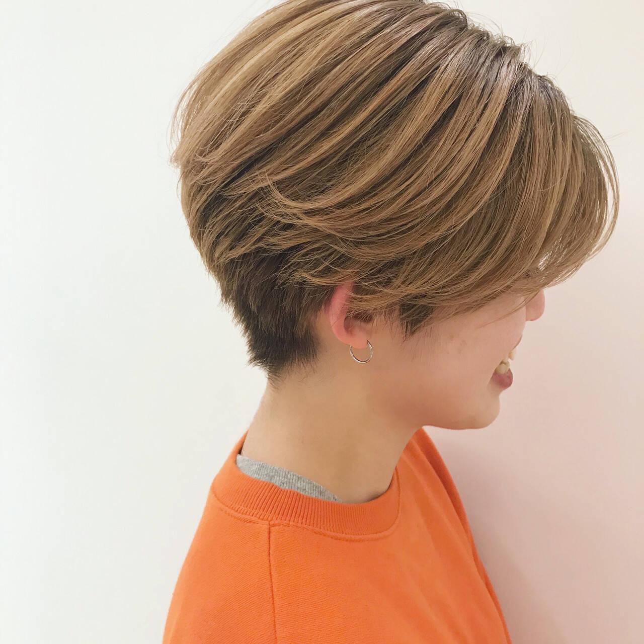 ハイトーン ストリート アンニュイほつれヘア かっこいいヘアスタイルや髪型の写真・画像